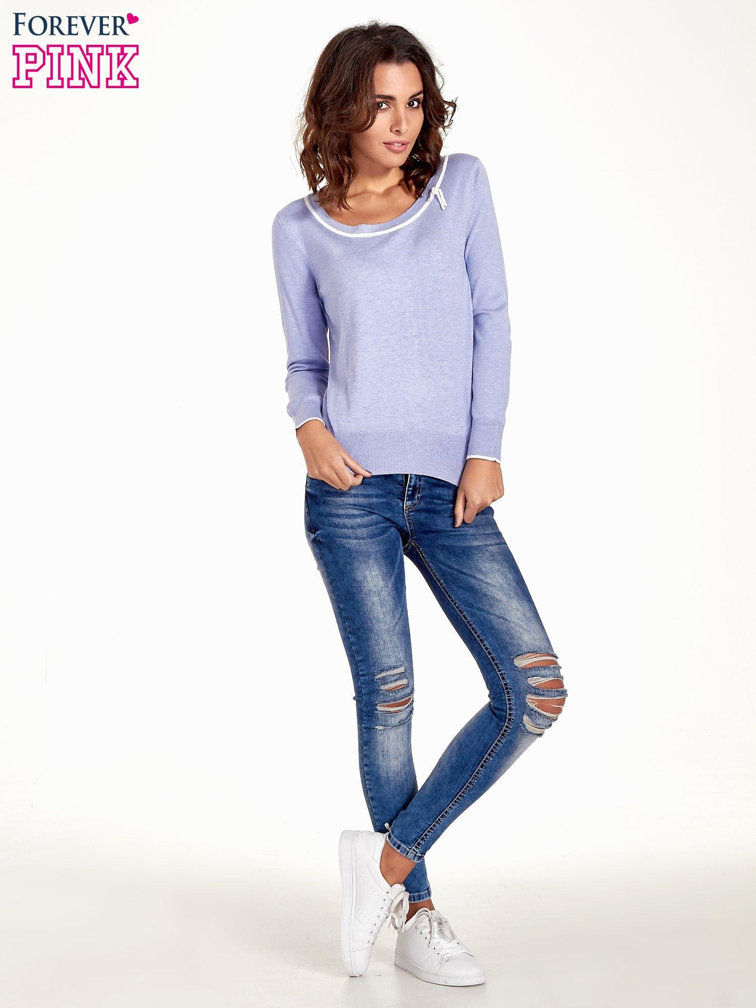 Jasnofioletowy sweterek z kokardką przy dekolcie                                  zdj.                                  2