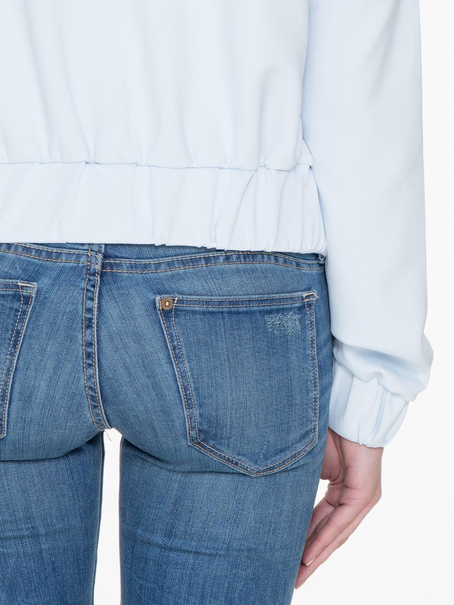 Jasnoniebieska bluza z kapturem o nietoperzowym kroju                                  zdj.                                  8