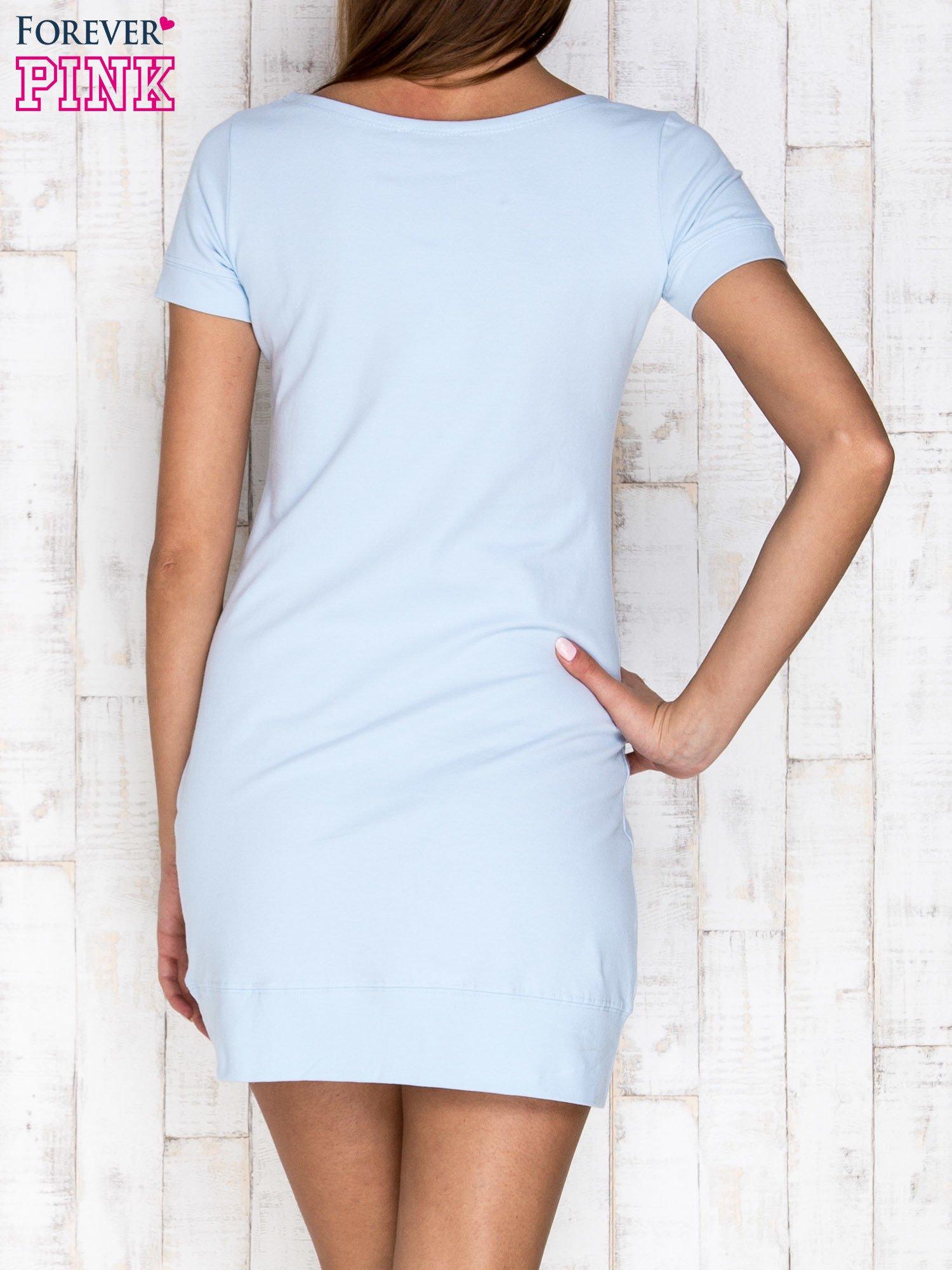 Jasnoniebieska gładka sukienka ze ściągaczem na dole                                  zdj.                                  4