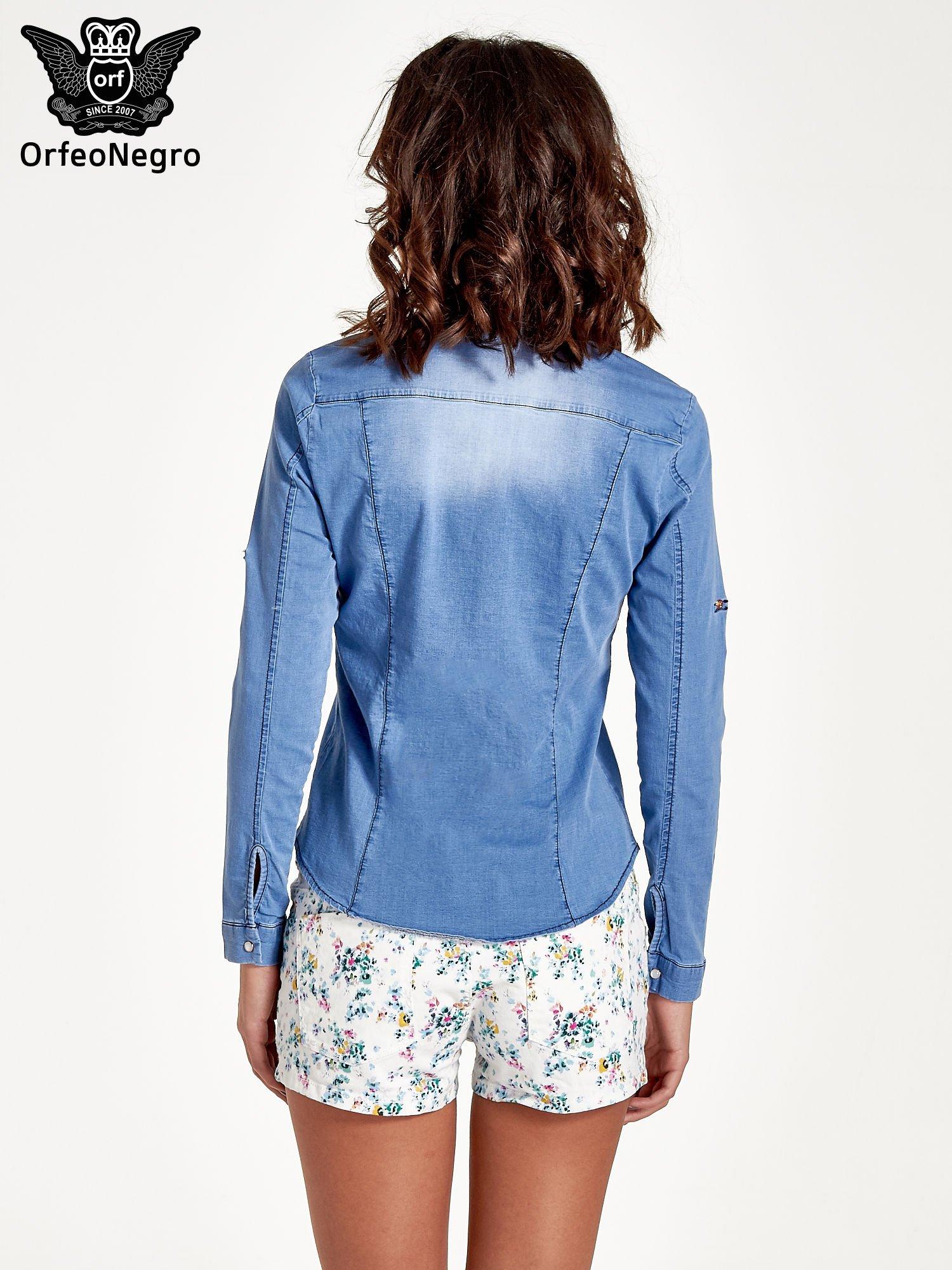 Jasnoniebieska jeansowa koszula z cieniowaniem                                  zdj.                                  4