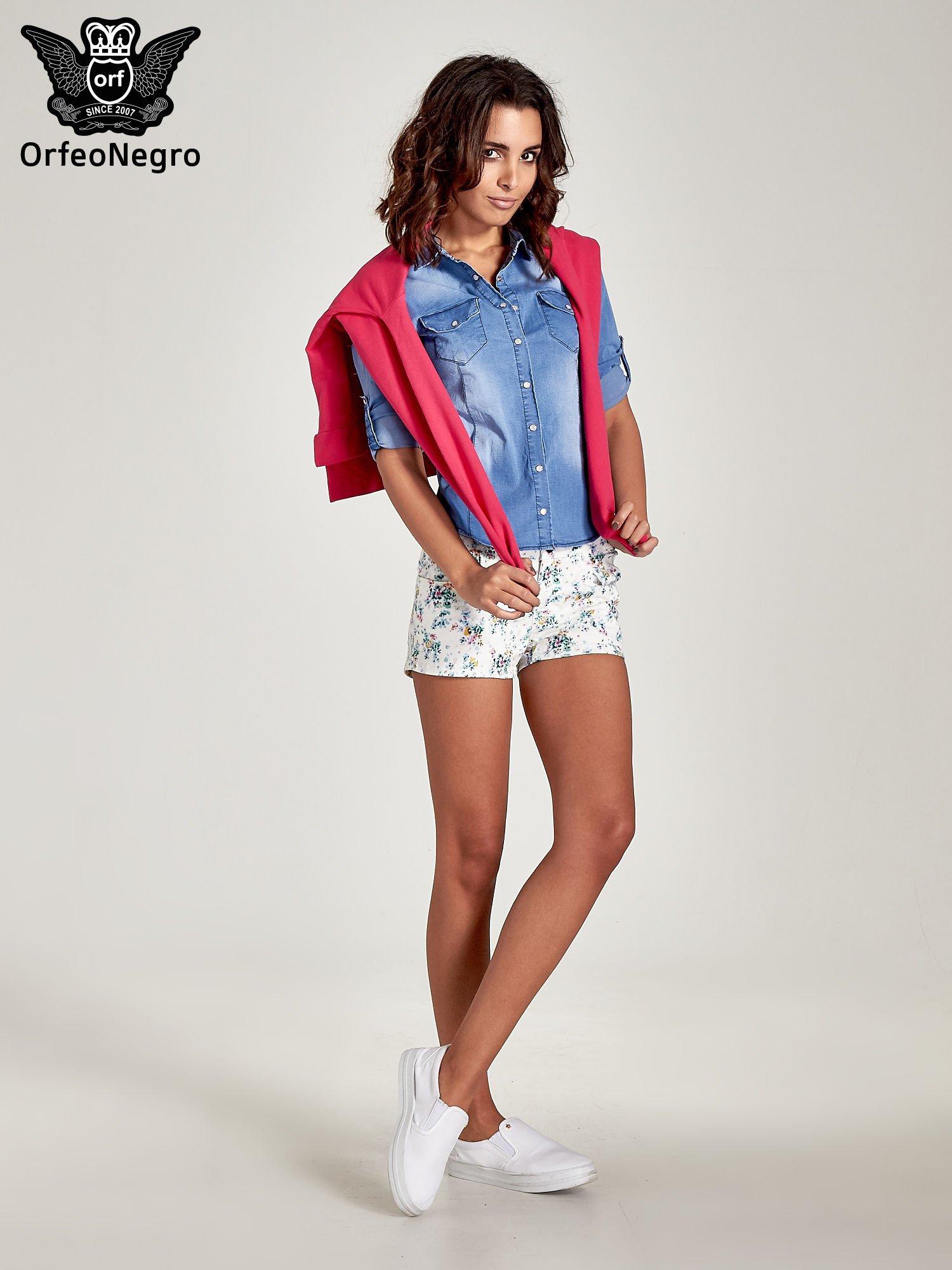 Jasnoniebieska jeansowa koszula z cieniowaniem                                  zdj.                                  2