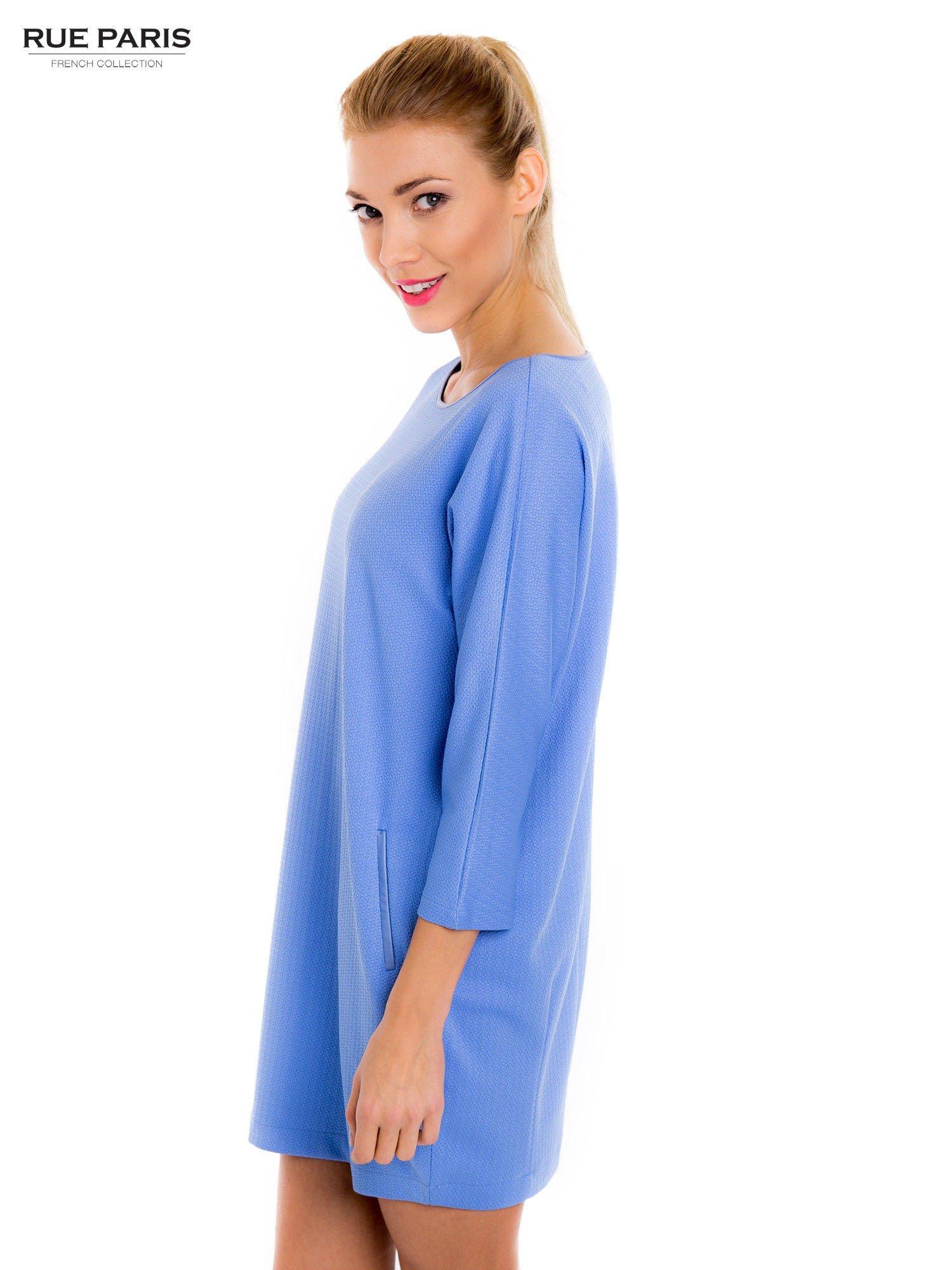 Jasnoniebieska prosta sukienka                                  zdj.                                  4