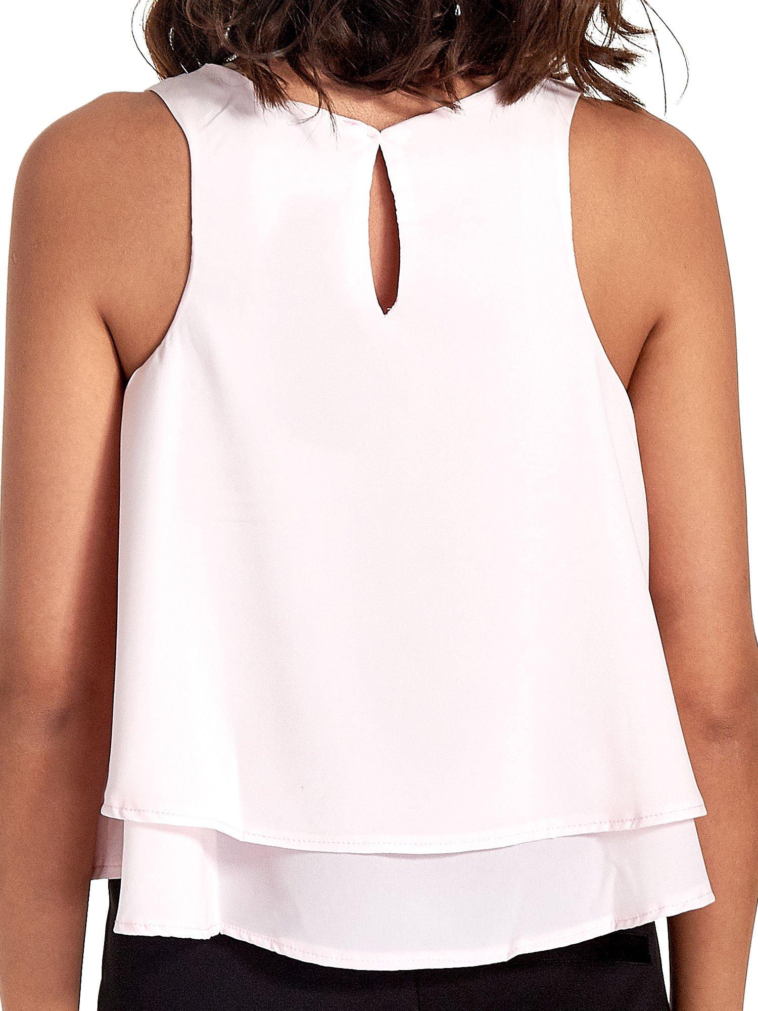 Jasnoróżowa dwuwarstwowa bluzka koszulowa z cekinowym dekoltem                                  zdj.                                  6