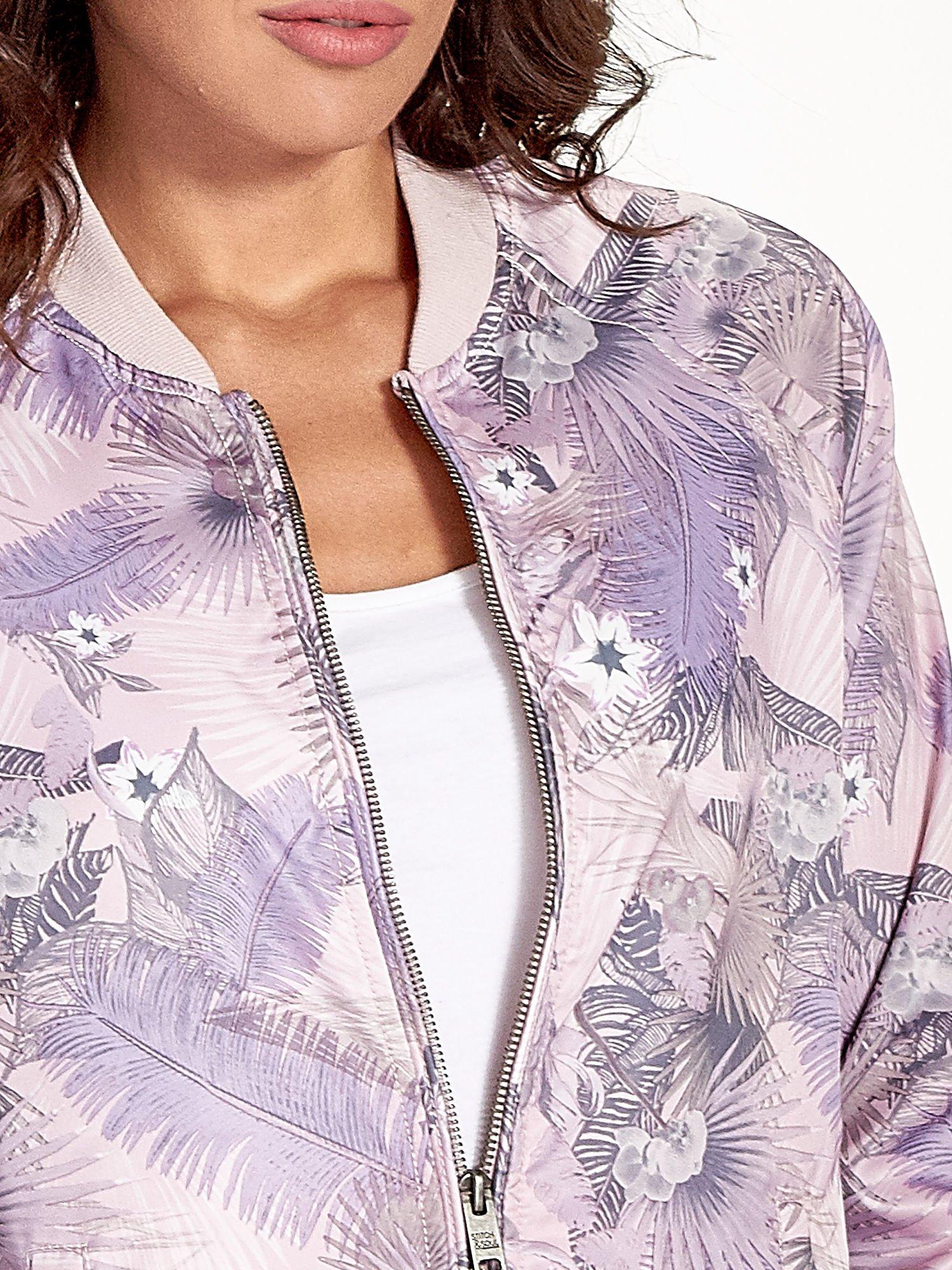 Jasnoróżowa kurtka bomber jacket w tropical print                                  zdj.                                  7