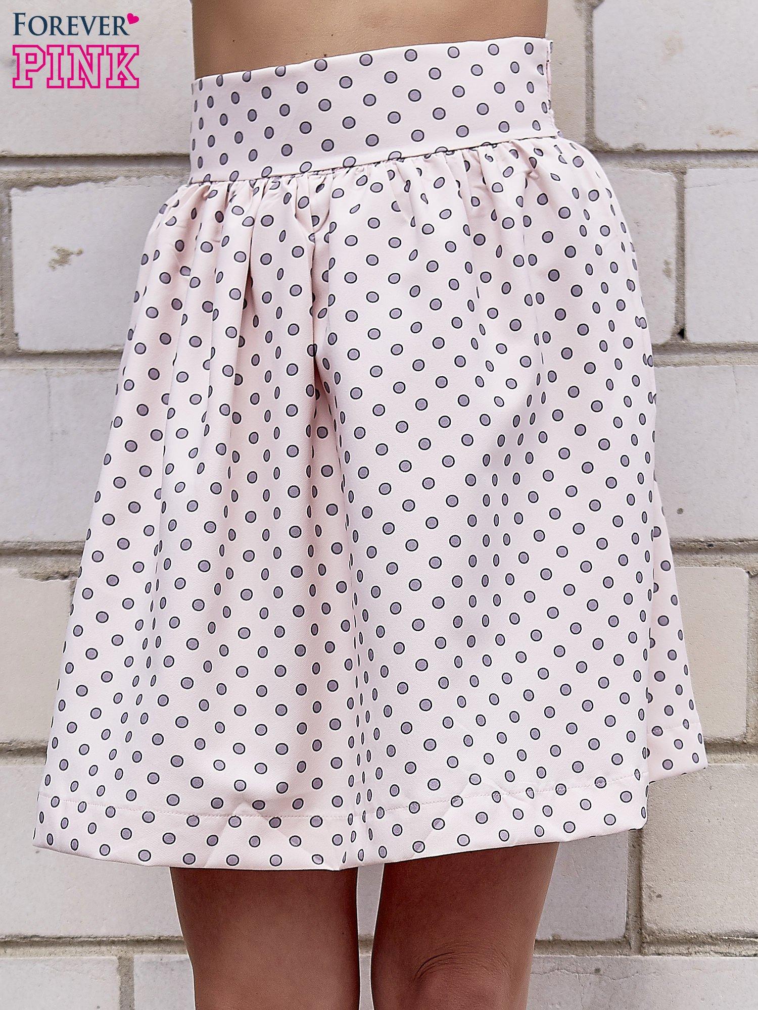 Jasnoróżowa spódnica w grochy z plisami                                  zdj.                                  1