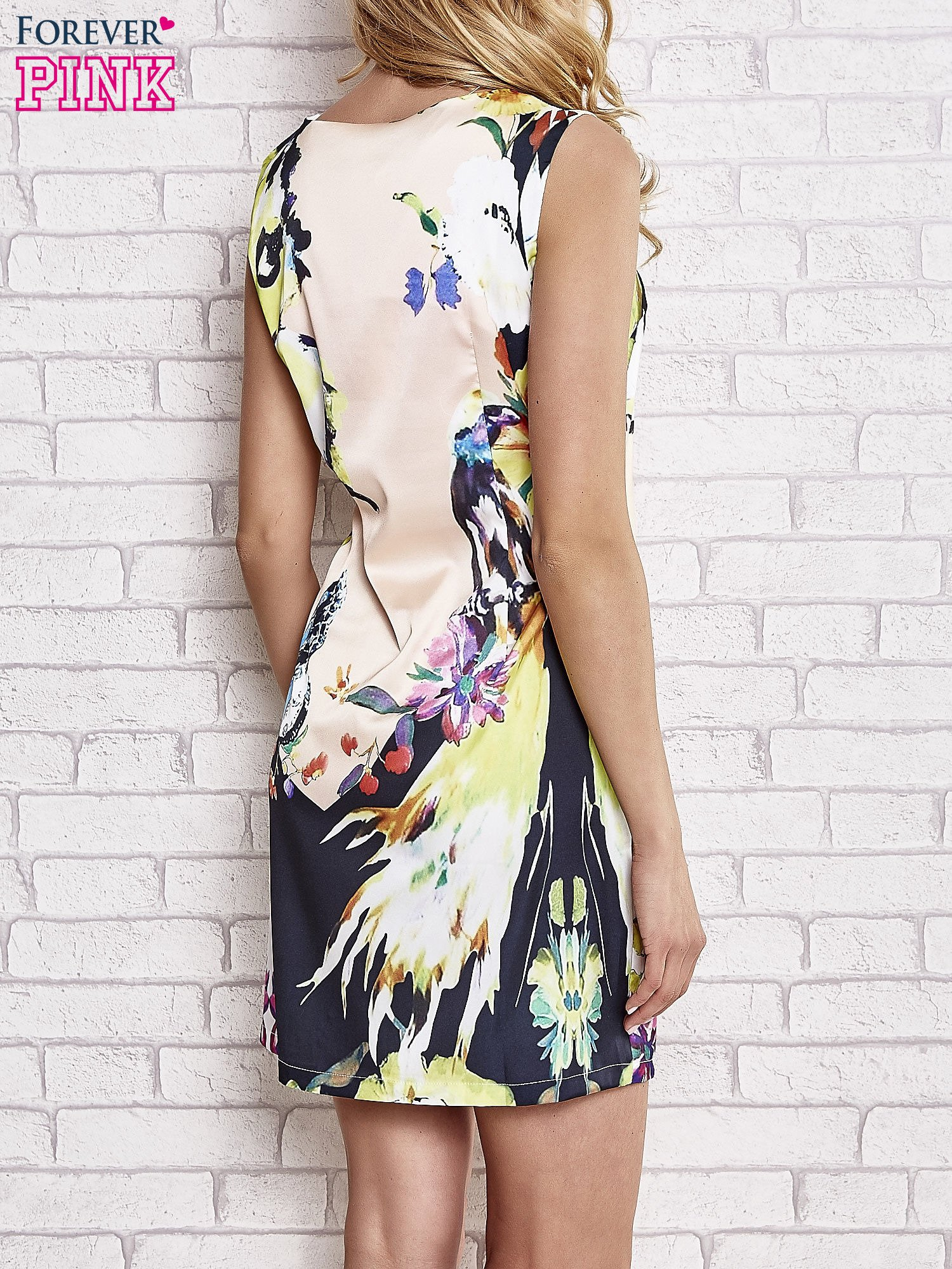 Jasnoróżowa sukienka z malowanym nadrukiem                                  zdj.                                  4