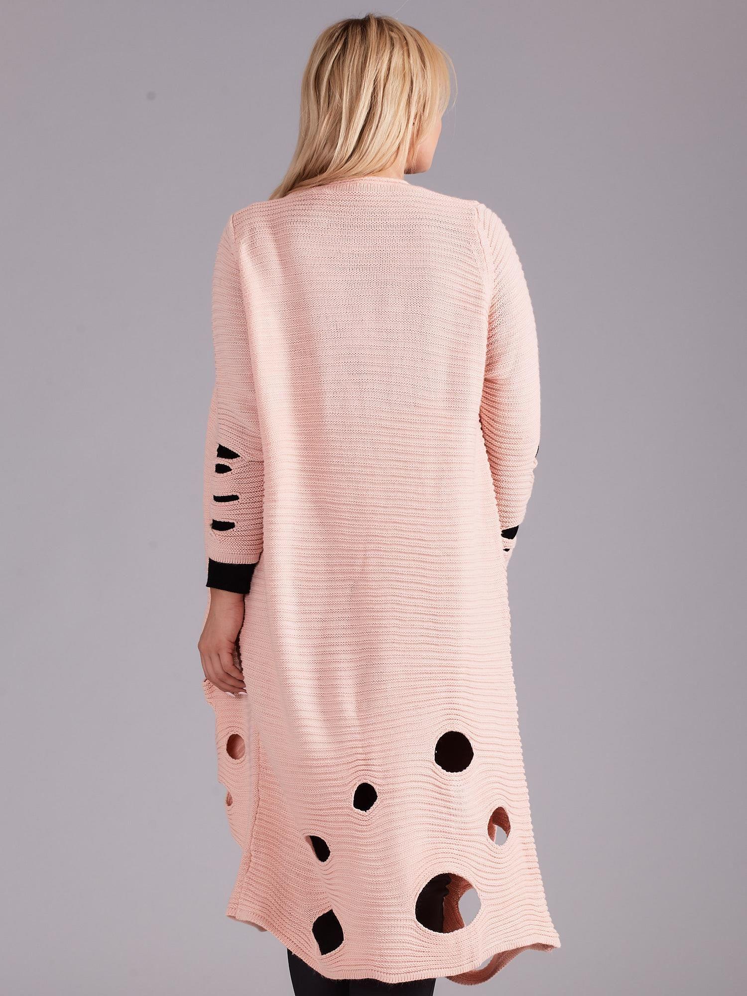 2ba4ab90e71c6d Jasnoróżowy długi sweter z dziurami PLUS SIZE - Sweter plus size - sklep  eButik.pl