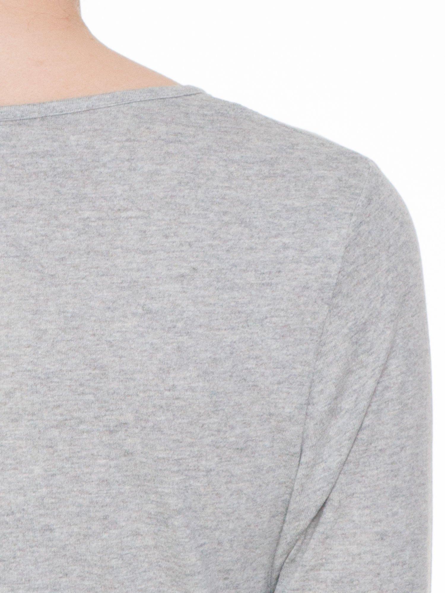 Jasnoszara gładka bluzka z rękawem 3/4                                  zdj.                                  5