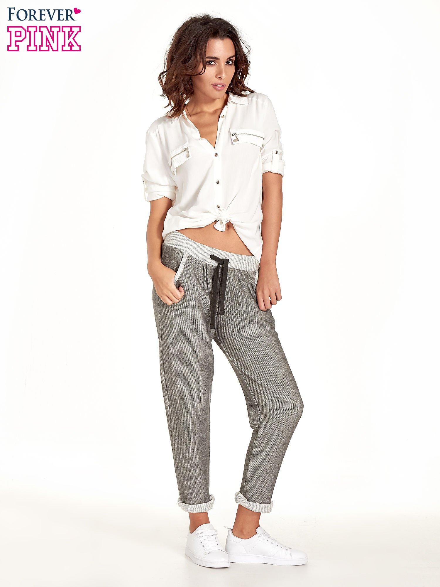 Jasnoszare melanżowe spodnie dresowe w stylu casual                                  zdj.                                  6