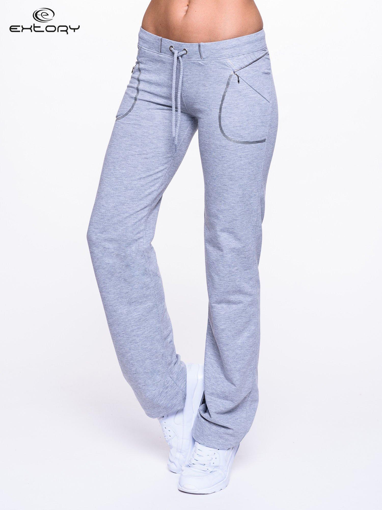 Jasnoszare spodnie dresowe z siateczką                                  zdj.                                  1