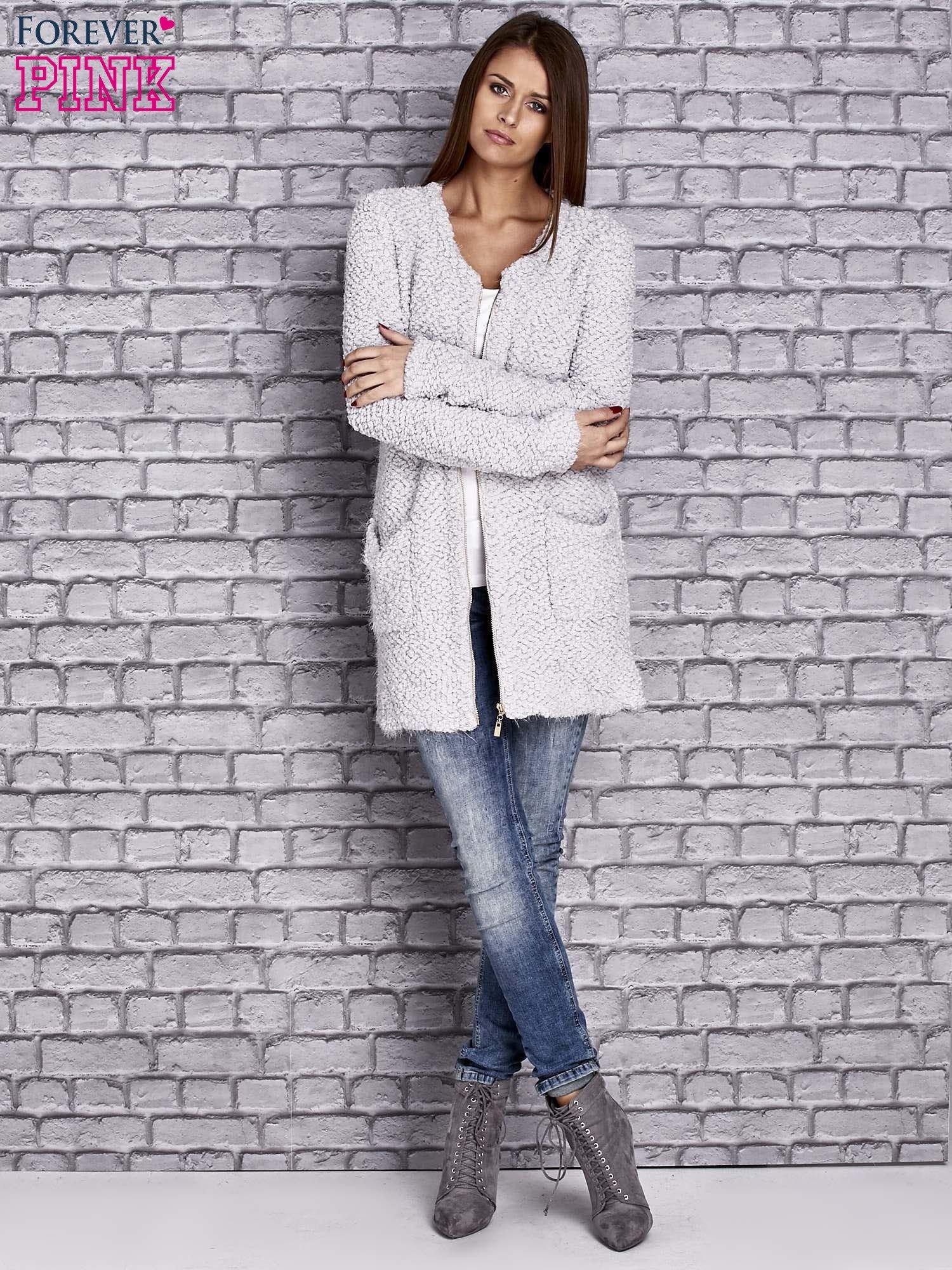 c99c87592bca Jasnoszary sweter long hair zapinany na suwak - Sweter długi - sklep ...