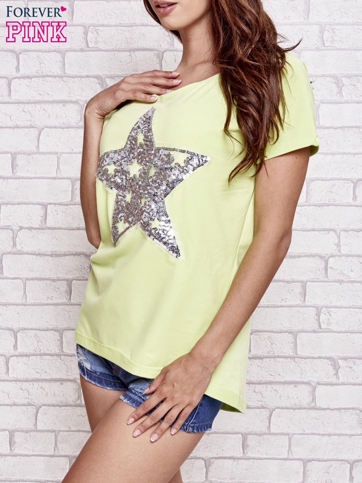 Jasnozielony t-shirt z gwiazdą z cekinów                                  zdj.                                  3