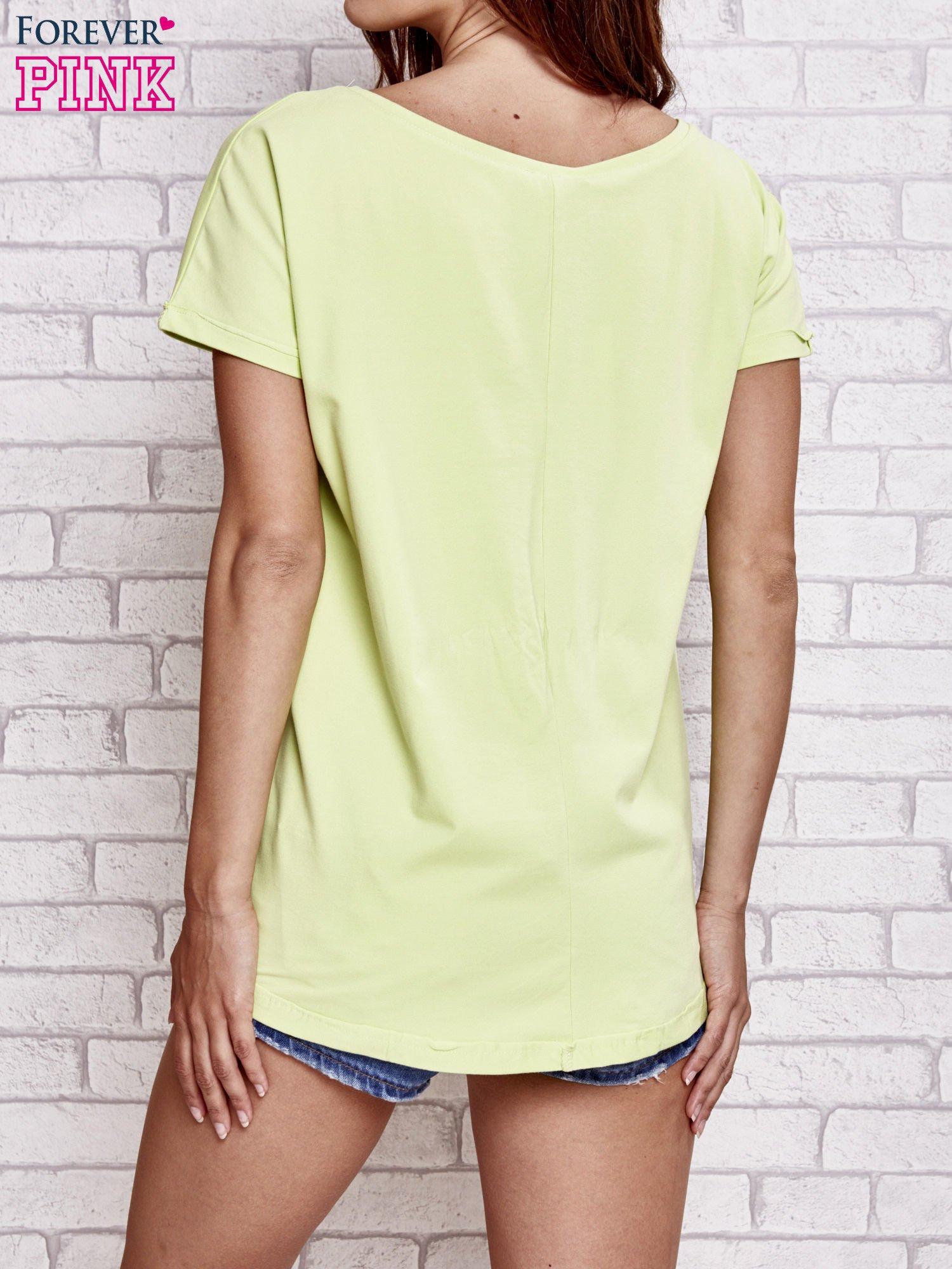 Jasnozielony t-shirt z gwiazdą z cekinów                                  zdj.                                  4