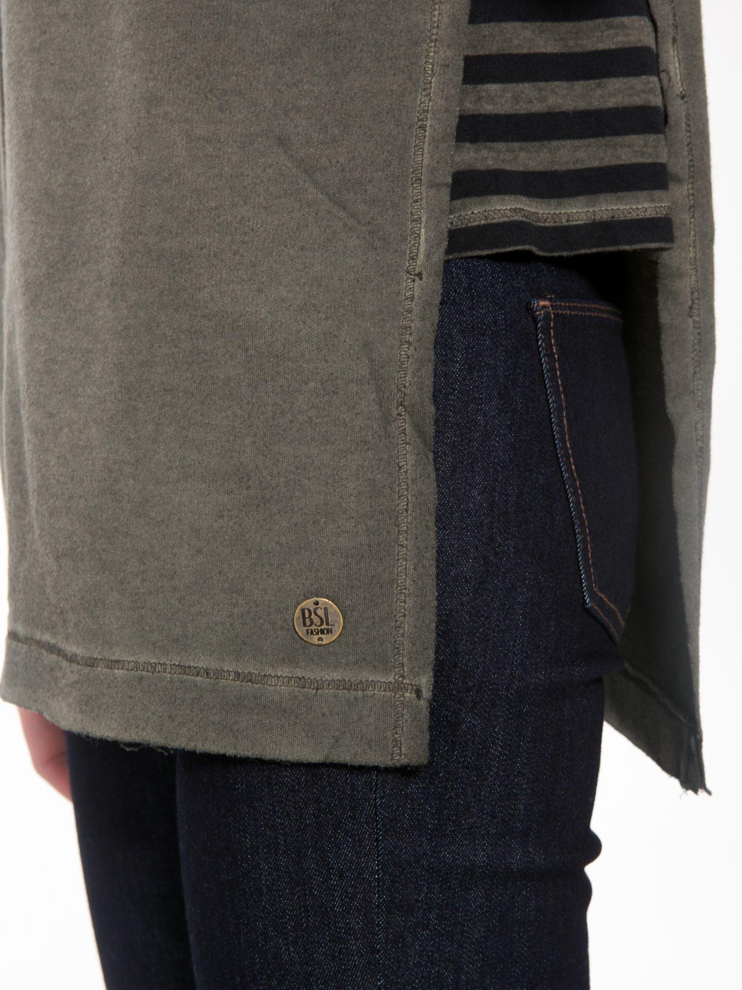 Khaki bluza z surowym wykończeniem i widocznymi szwami                                  zdj.                                  7