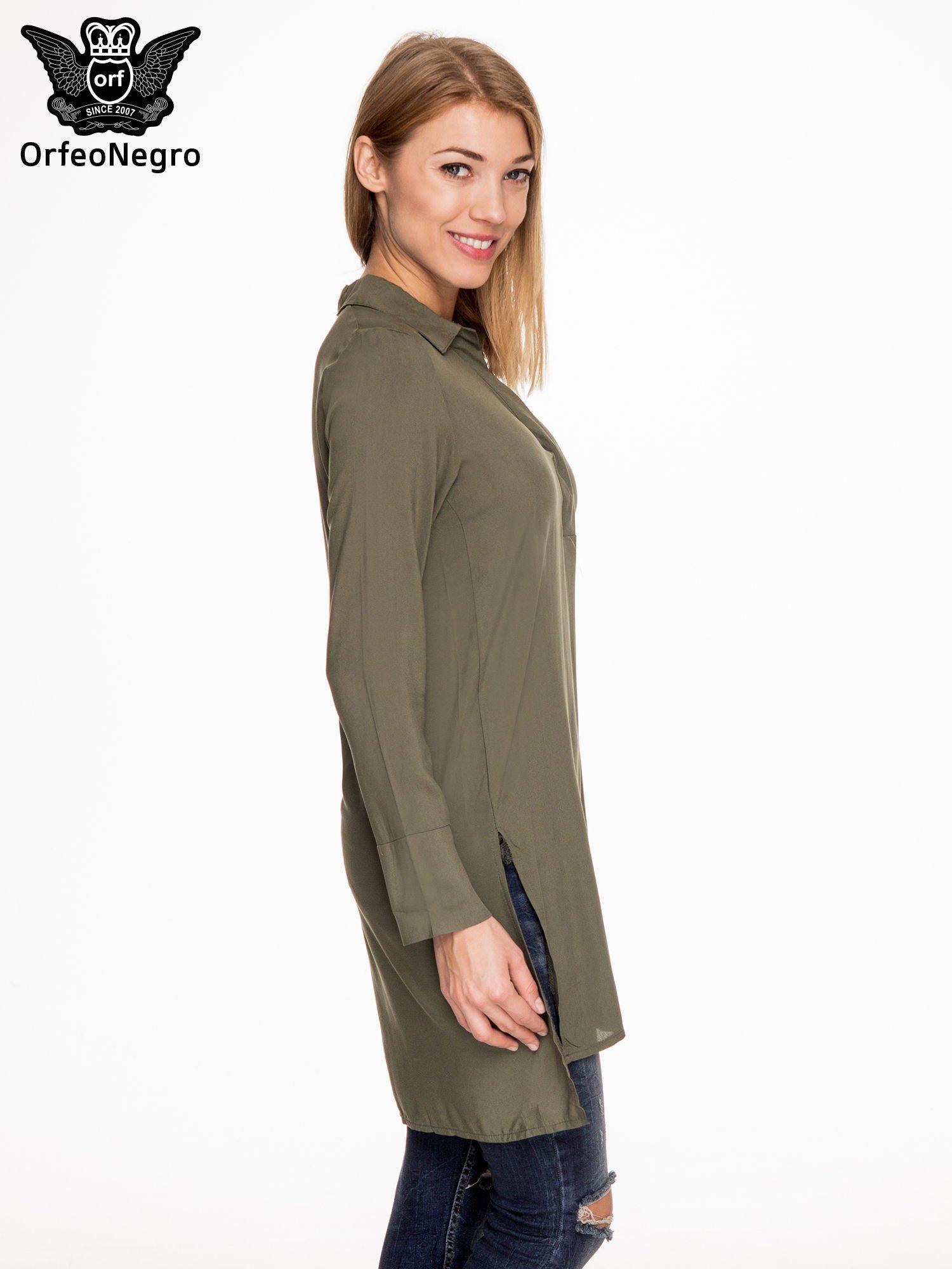 Khaki długa koszula z rozporkami po bokach                                  zdj.                                  3