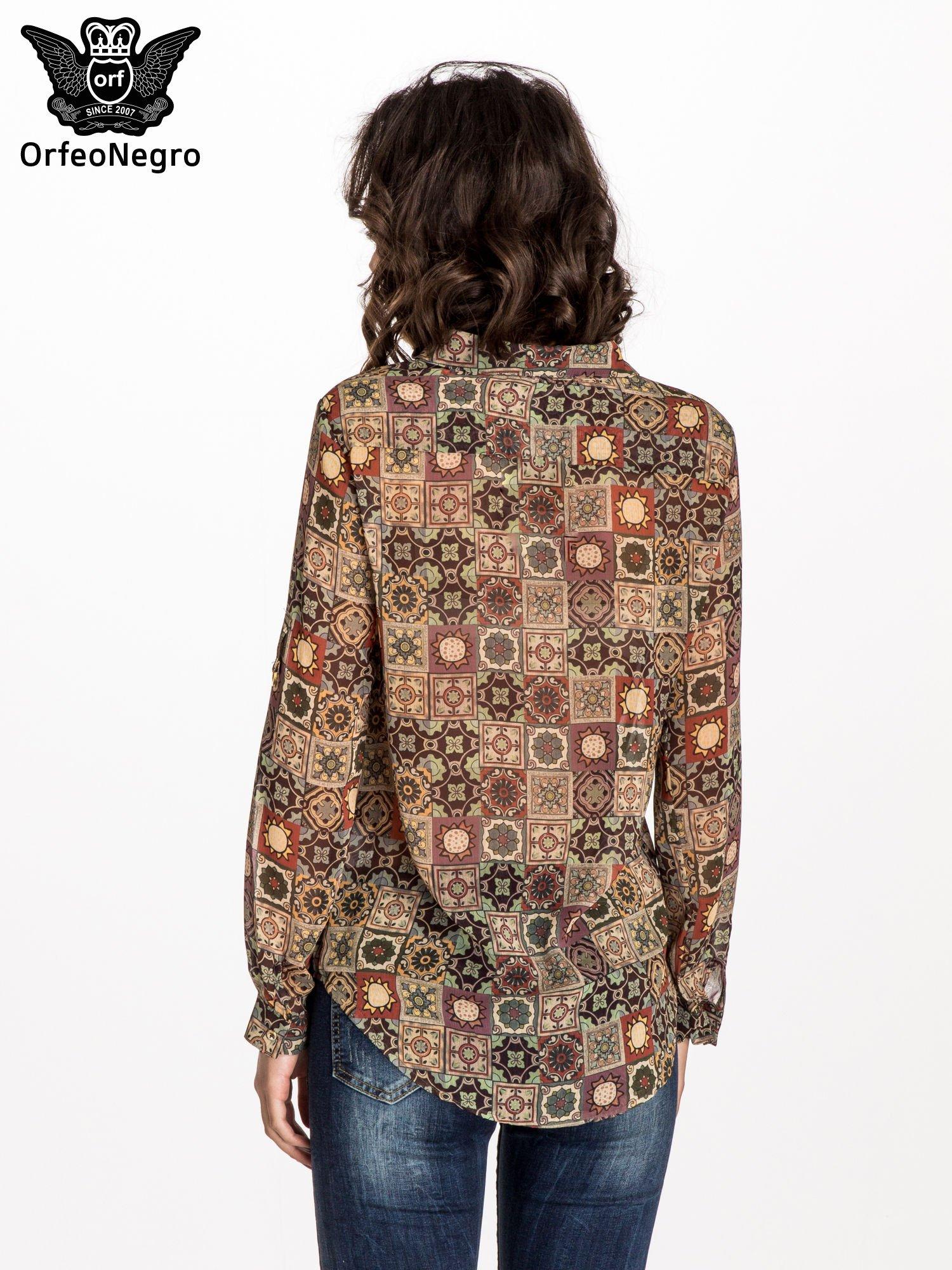 Khaki koszula w kwiatowe ornamenty                                  zdj.                                  2