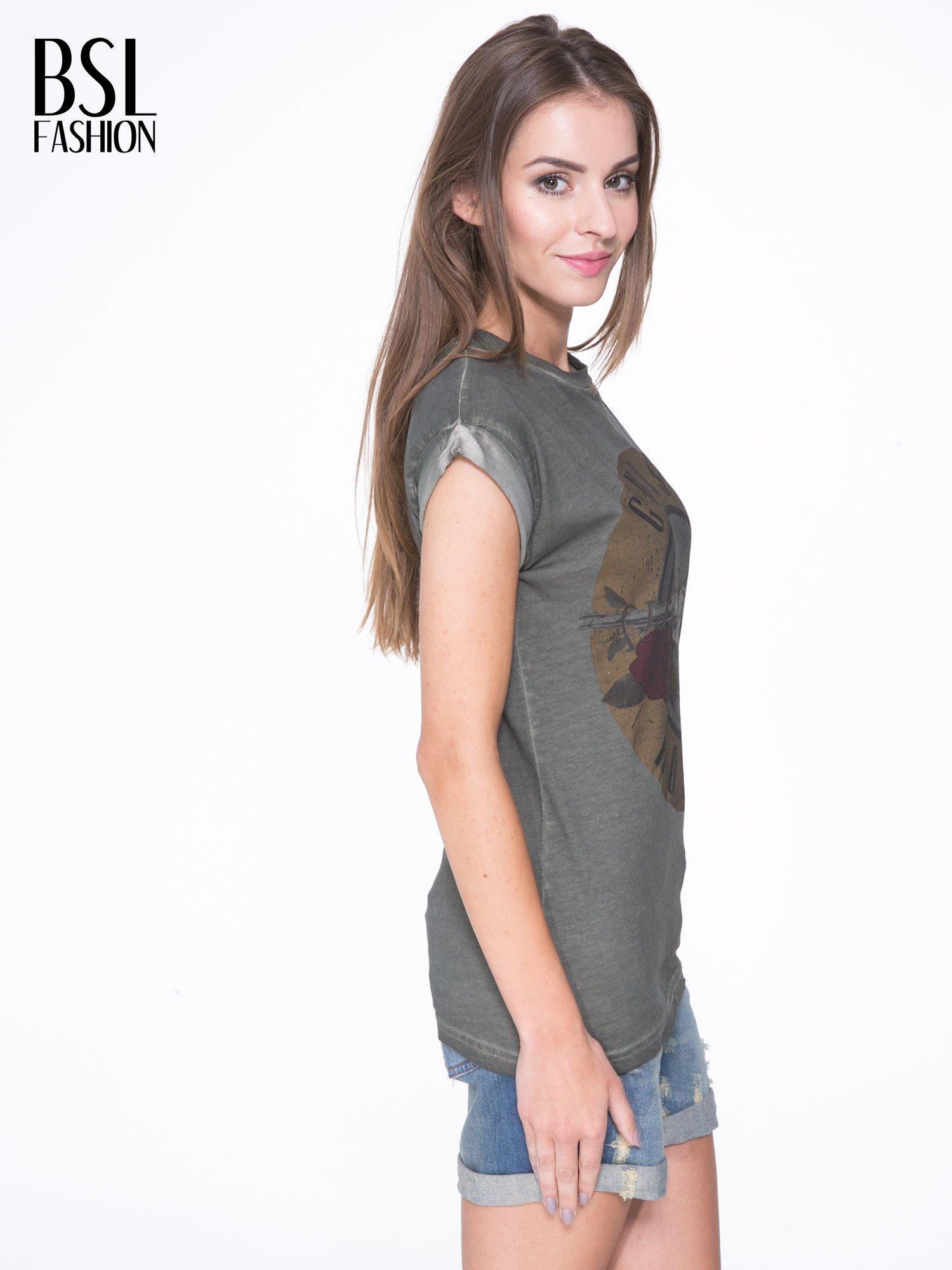 Khaki t-shirt z nadrukiem GUNS N' ROSES                                  zdj.                                  3