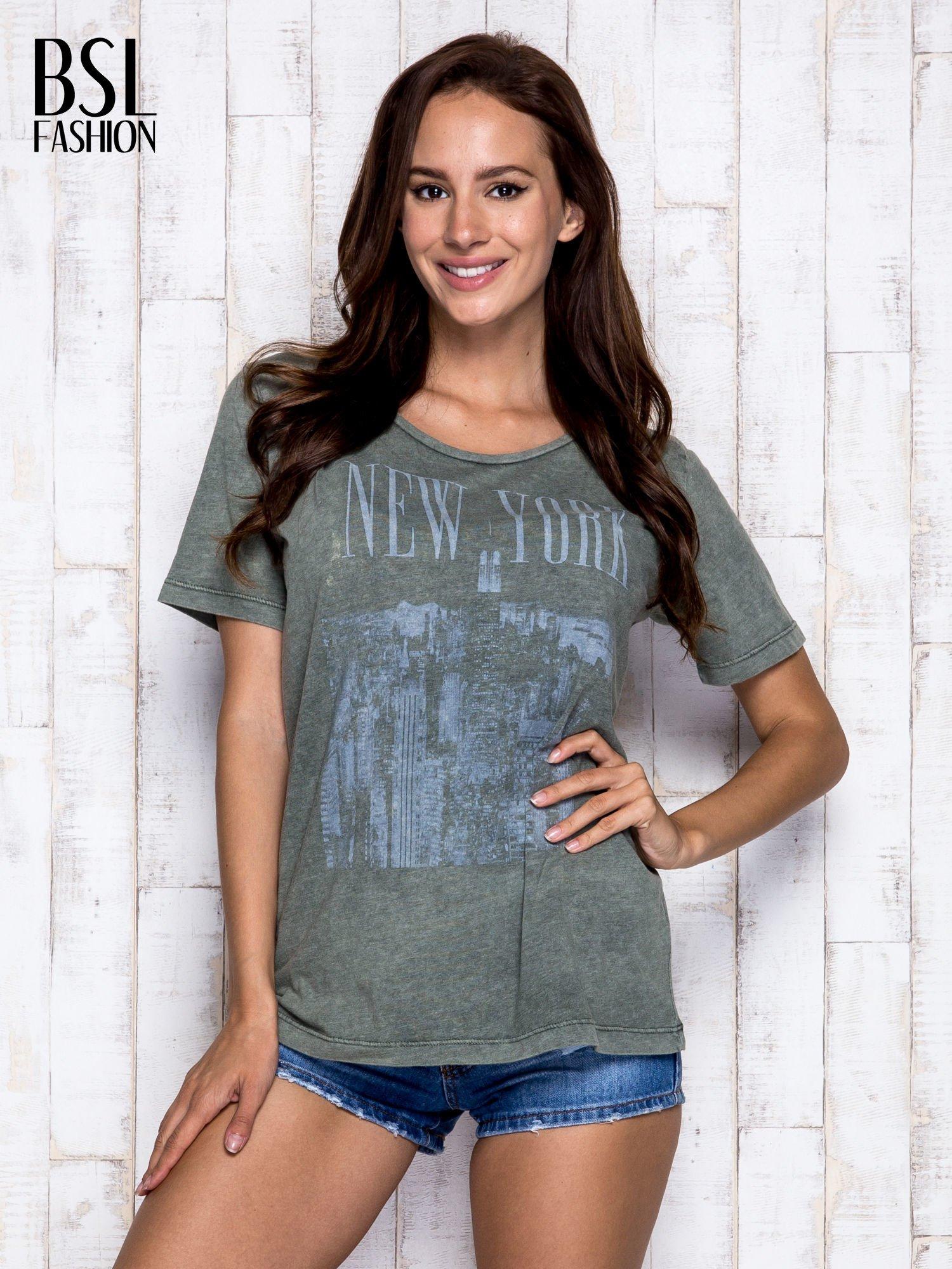 Khaki t-shirt z napisem NEW YORK                                  zdj.                                  5