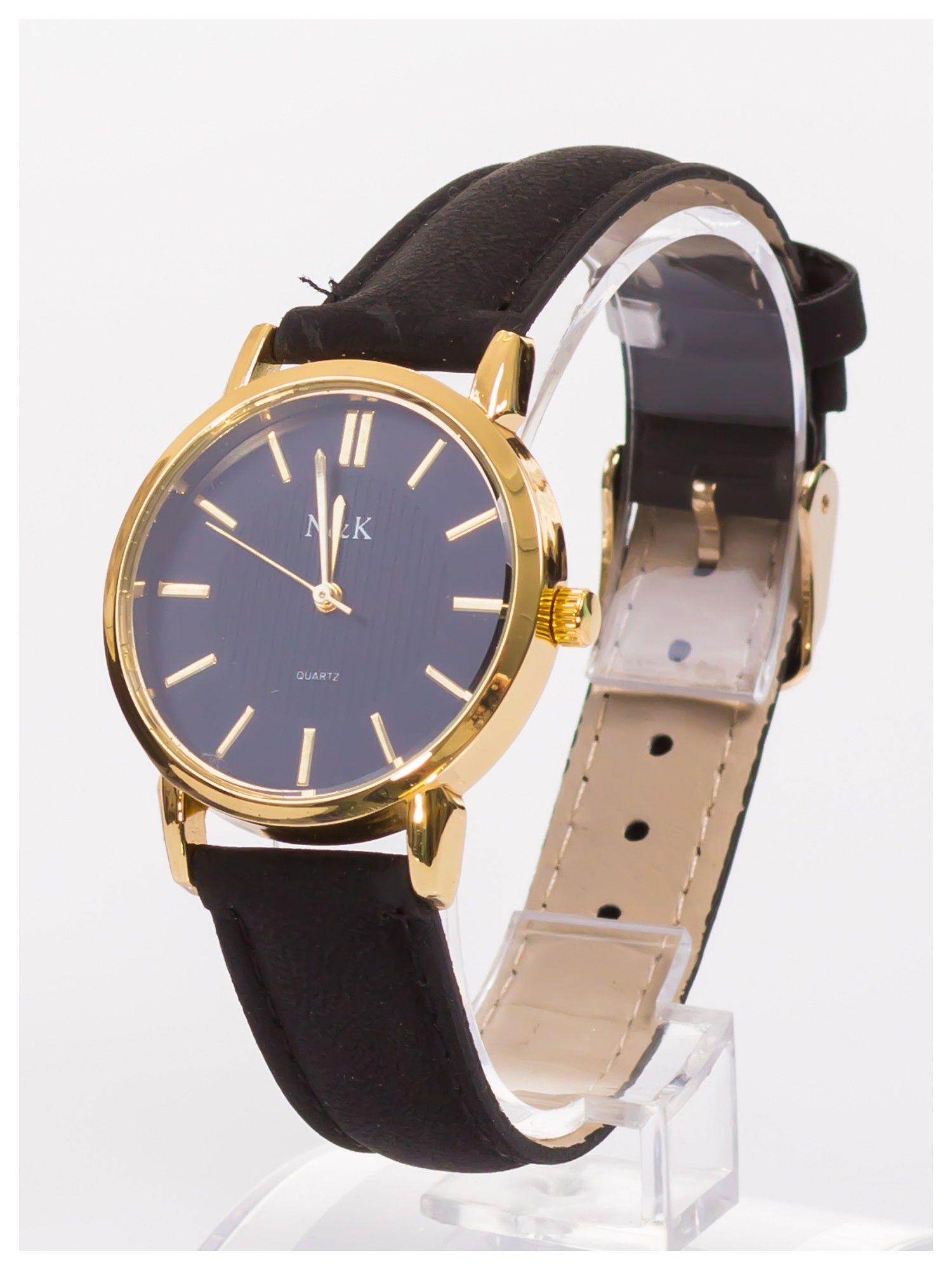 Klasyczny damski zegarek z dyskretnym wzorem na tarczy. Bardzo zgrabny. Delikatny i kobiecy.                                  zdj.                                  2