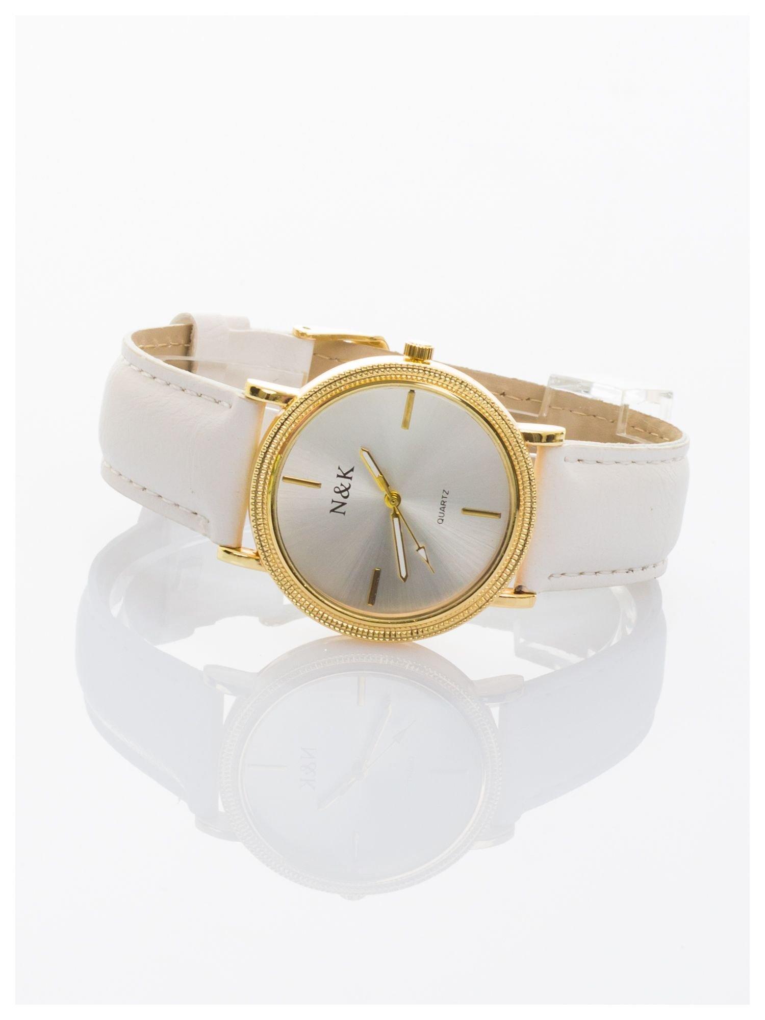 Klasyczny damski zegarek z elegancką i czytelną tarczą. Biały skórzany pasek. Ozdobna koperta                                  zdj.                                  2