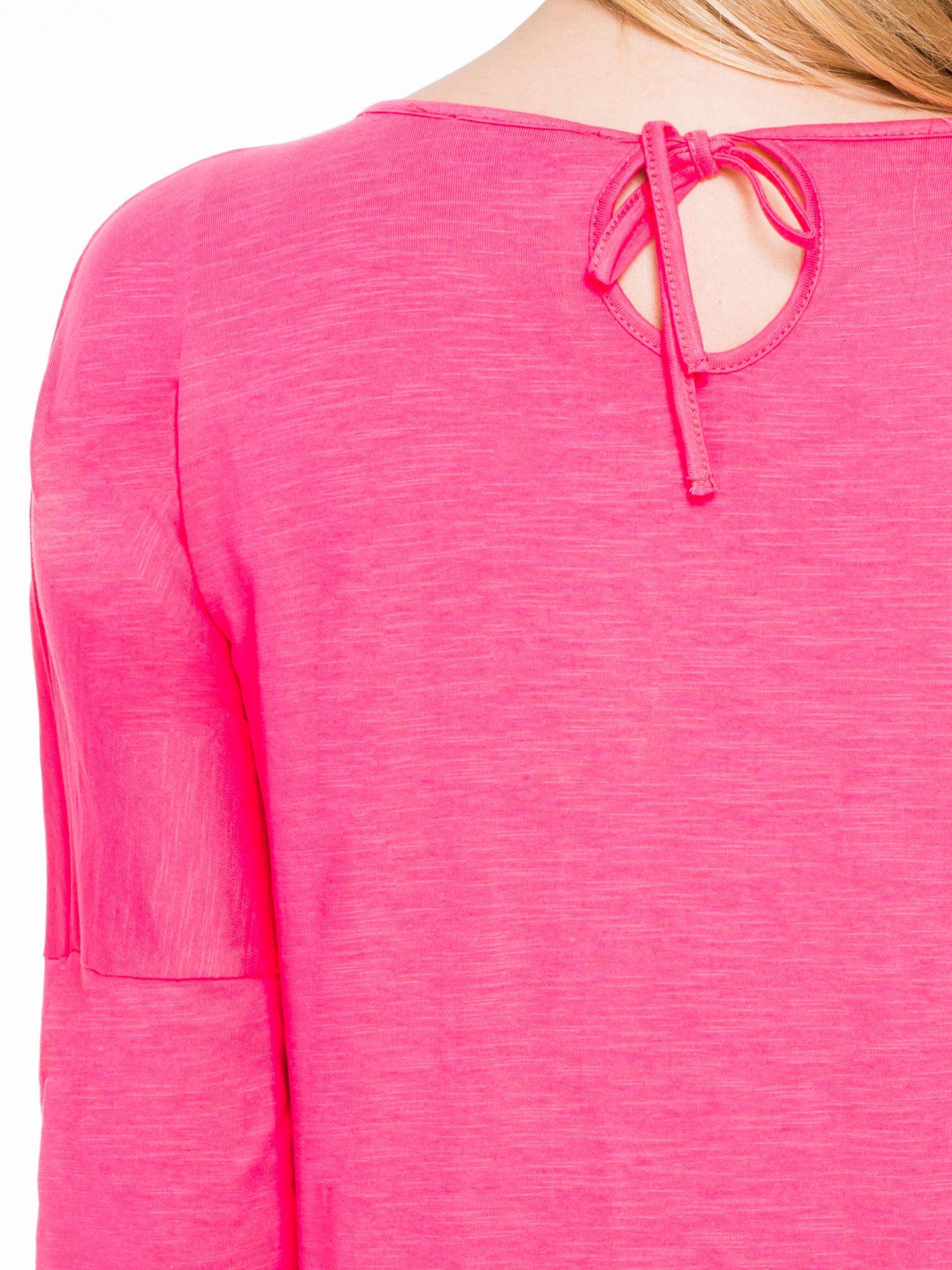 Koralowa bluzka z wiązanym oczkiem z tyłu                                  zdj.                                  7