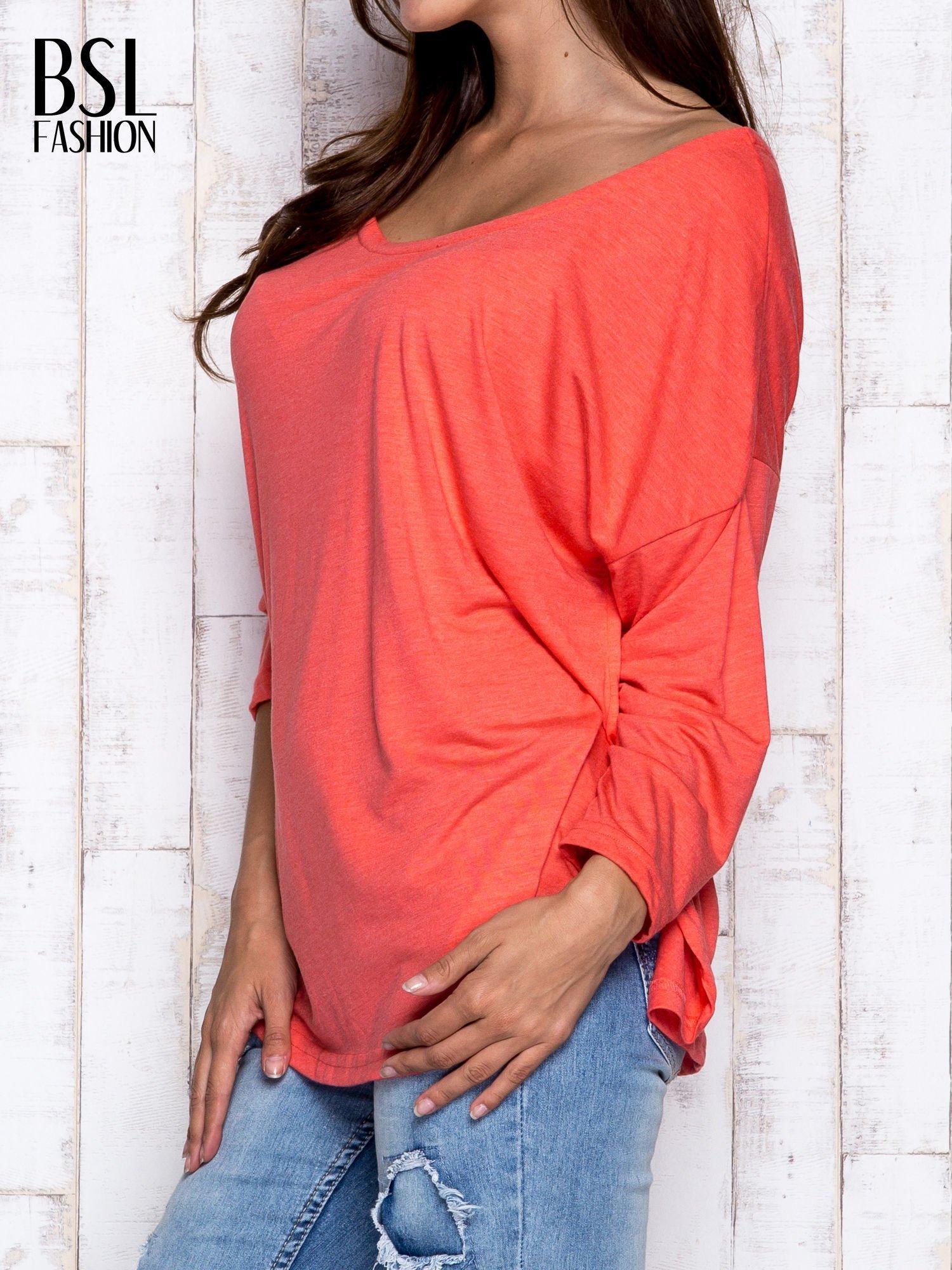 Koralowa melanżowa bluzka z dekoltem na plecach                                  zdj.                                  4