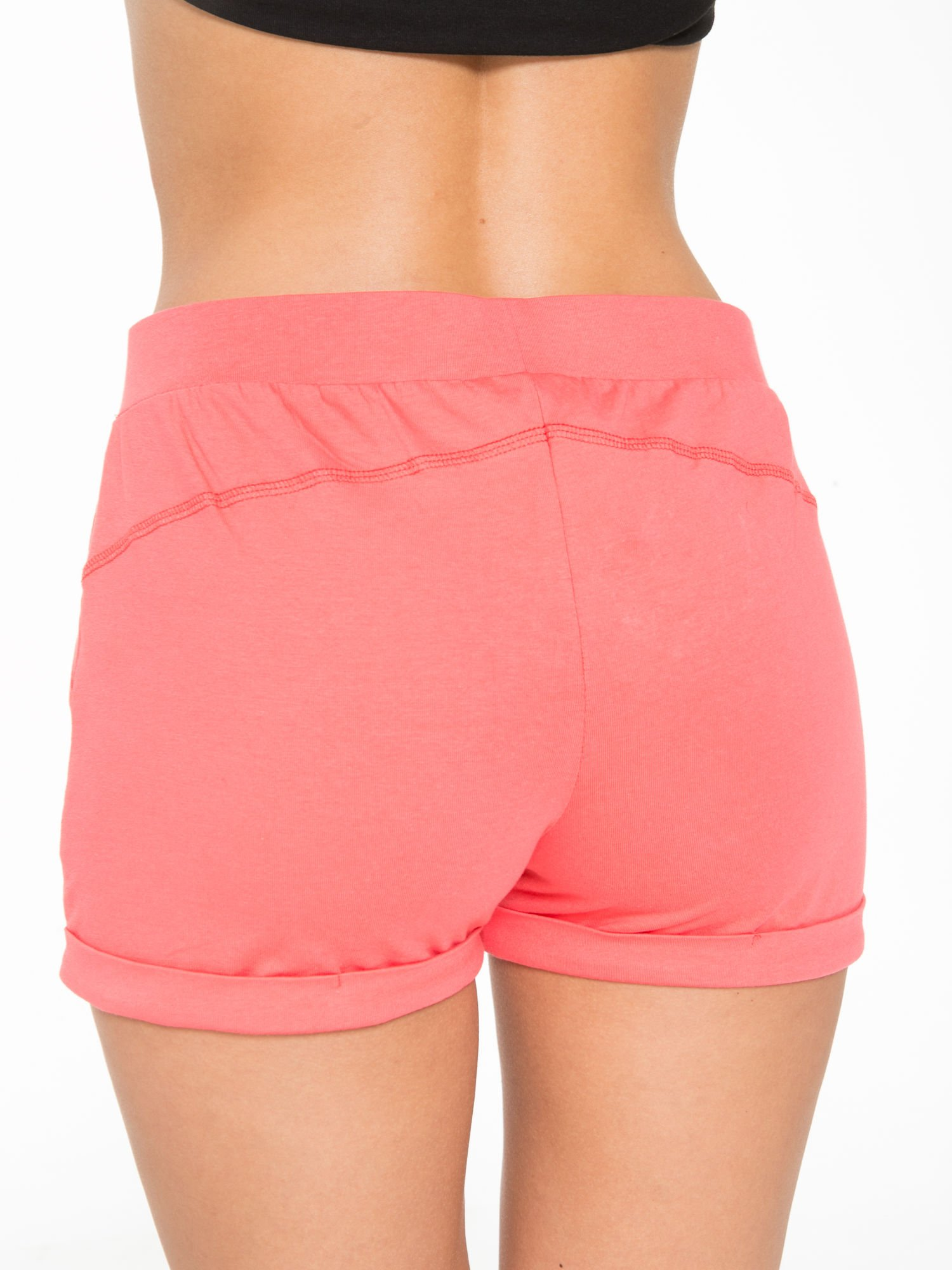 Koralowe szorty dresowe z kieszeniami                                  zdj.                                  6