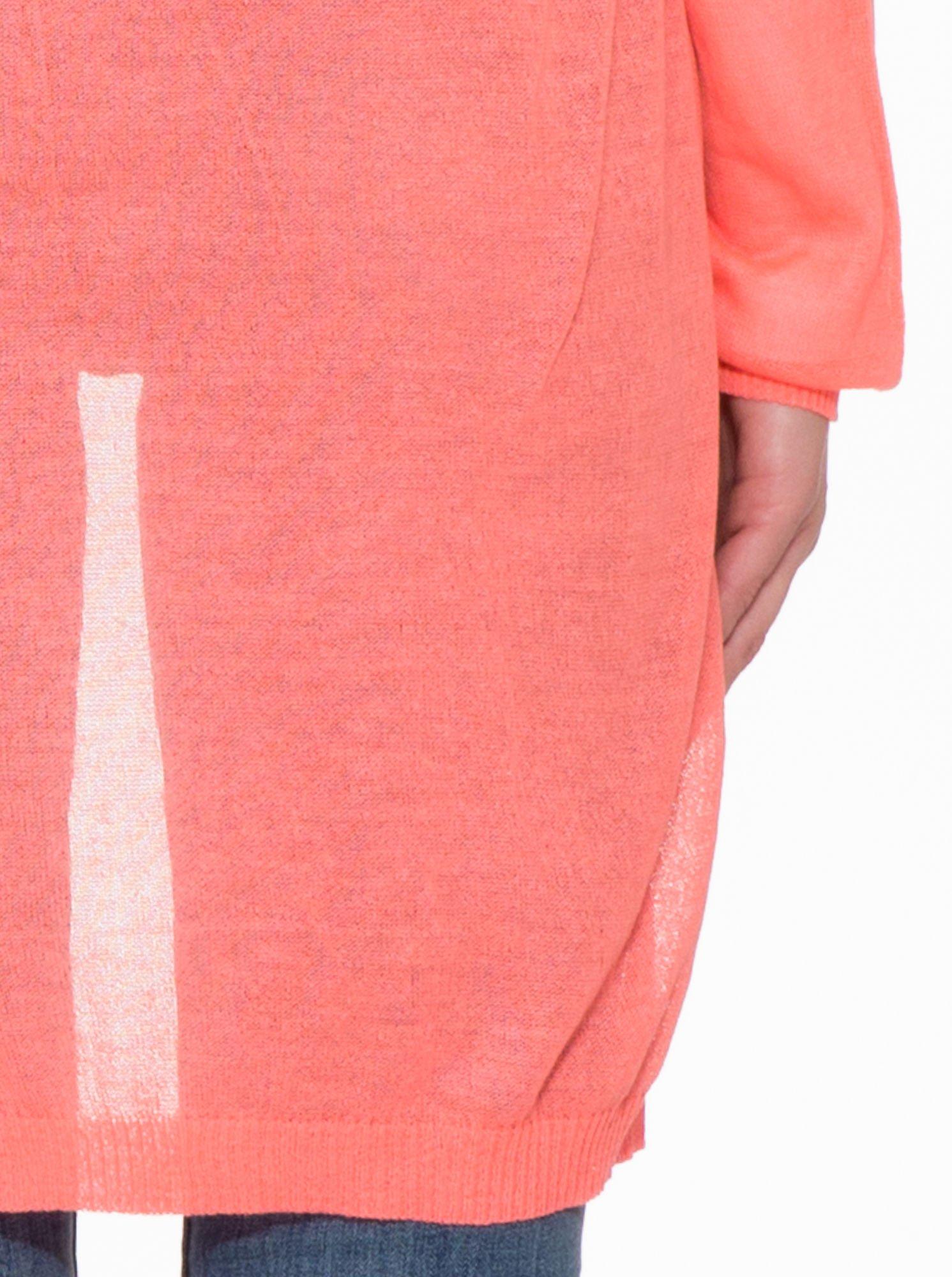 Koralowy długi sweter typu kardigan z kieszonkami                                  zdj.                                  9