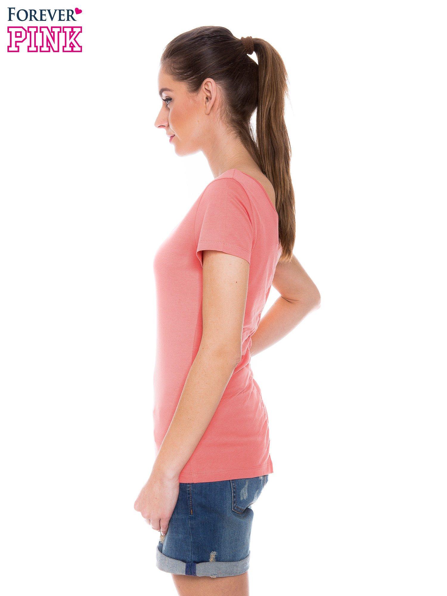 Koralowy gładki t-shirt z marszczeniem z tyłu                                  zdj.                                  2
