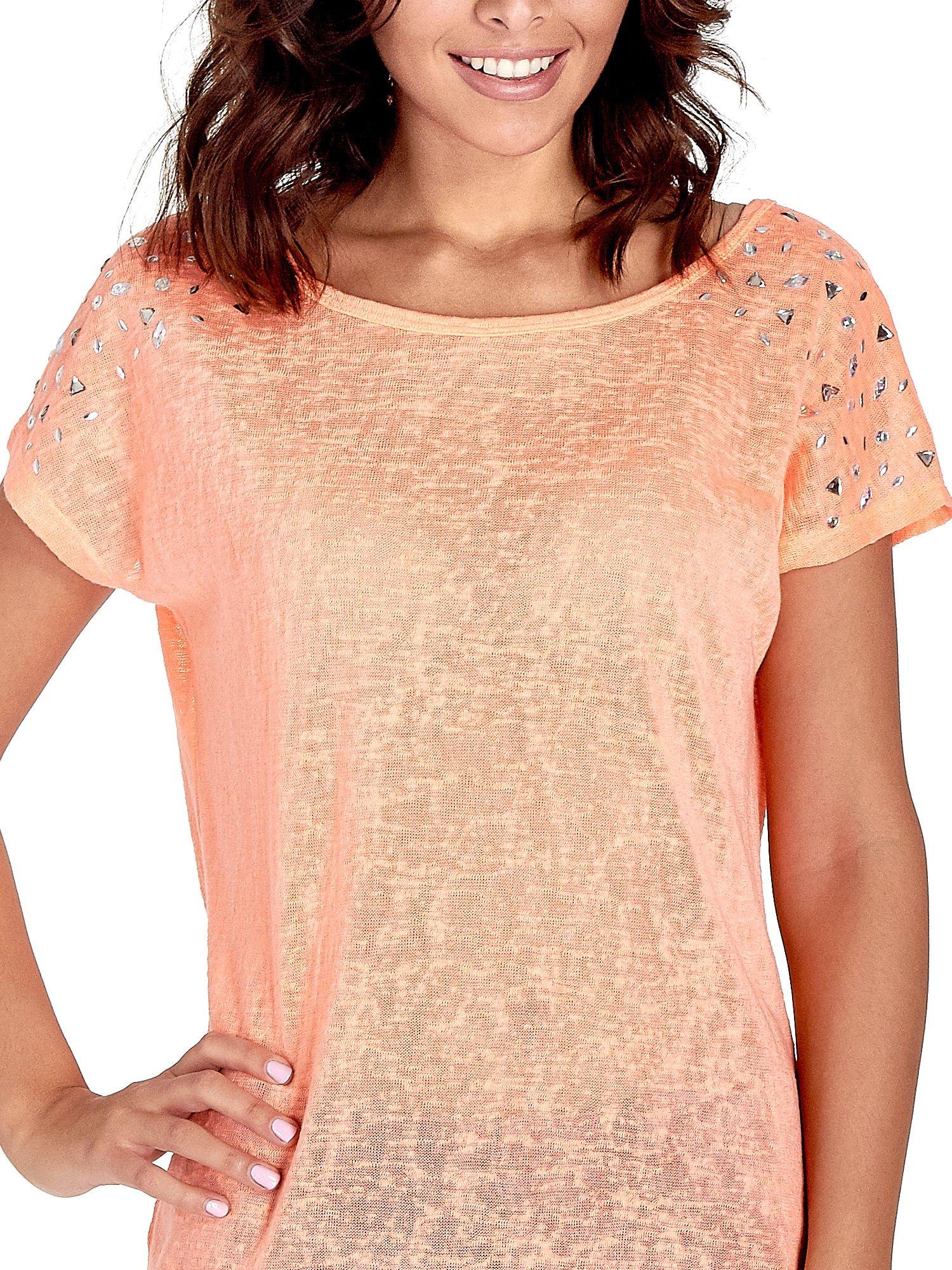 Koralowy t-shirt z kryształkami na rękawach                                  zdj.                                  5