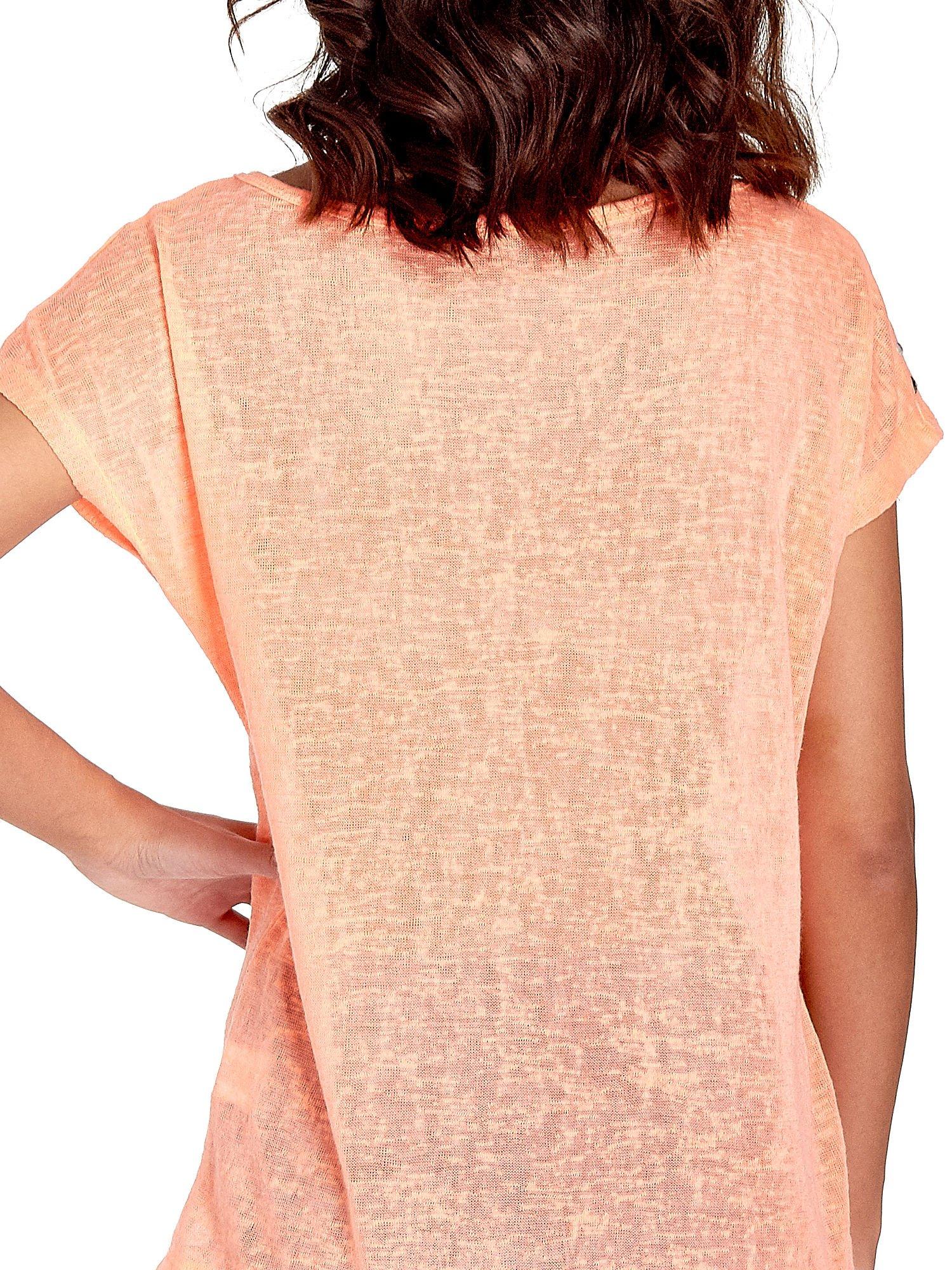 Koralowy t-shirt z kryształkami na rękawach                                  zdj.                                  6