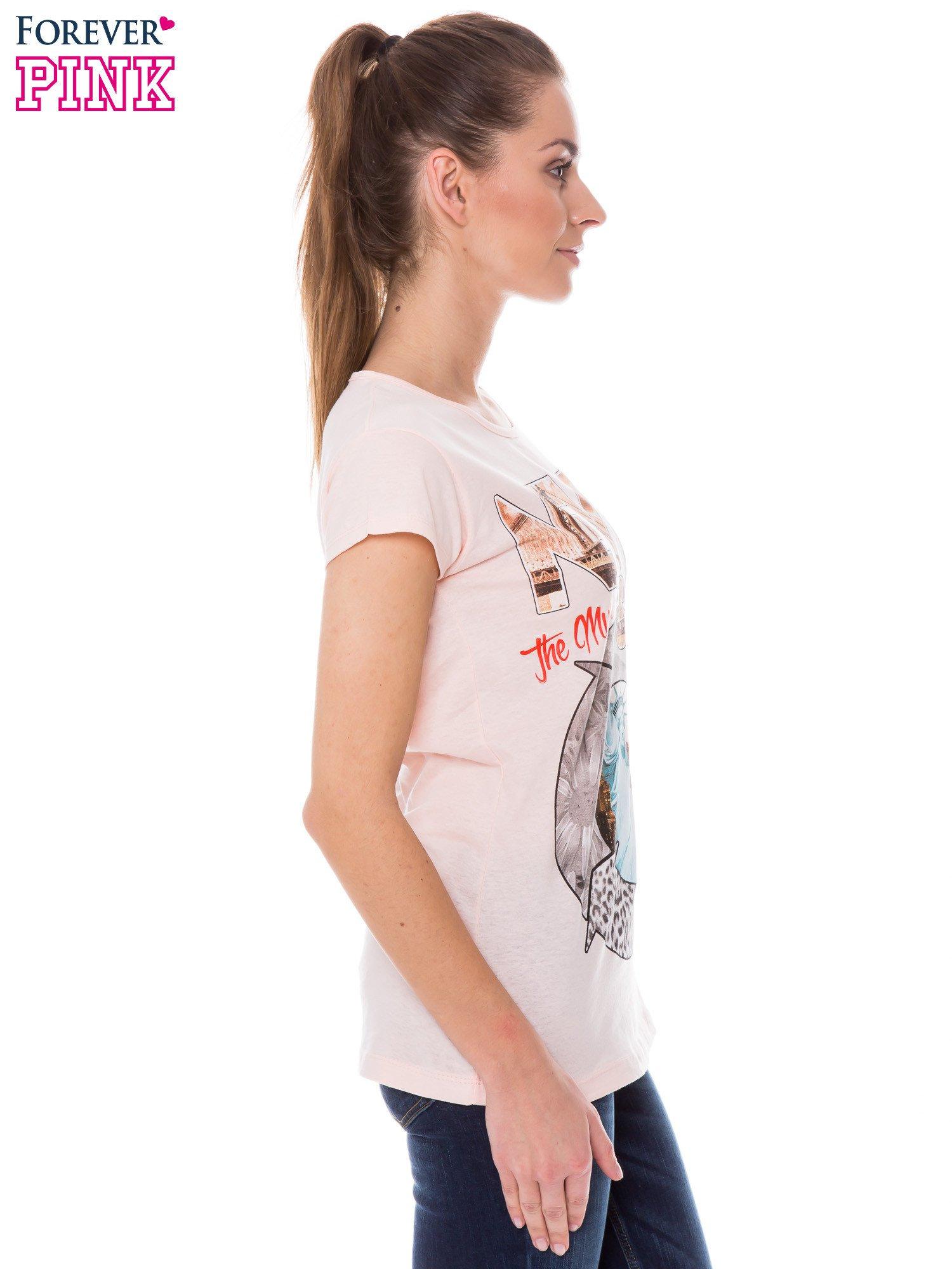 Koralowy t-shirt z nadrukiem w amerykańskim stylu                                  zdj.                                  2