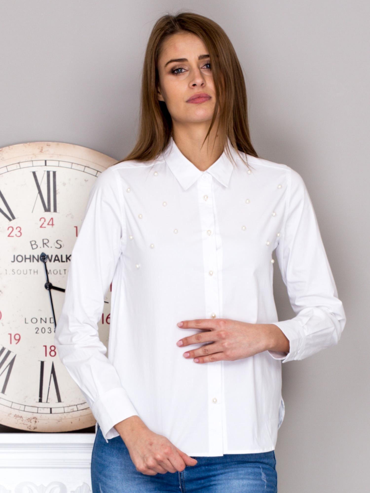 e61b7208e5d84 Koszula damska z perełkami biała - Koszula plus size - sklep eButik.pl