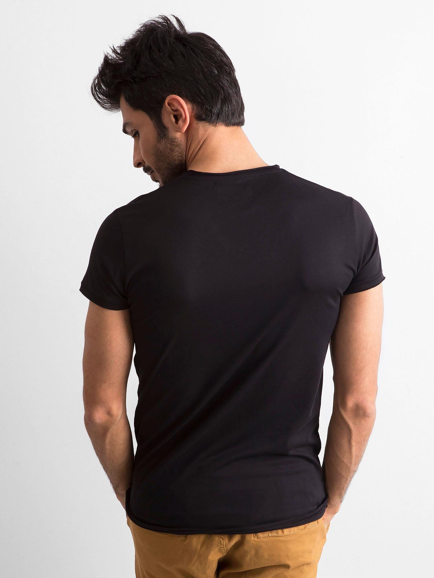 939718af1eb889 Koszulka męska z dekoltem w serek czarna - Mężczyźni T-shirt męski - sklep  eButik.pl