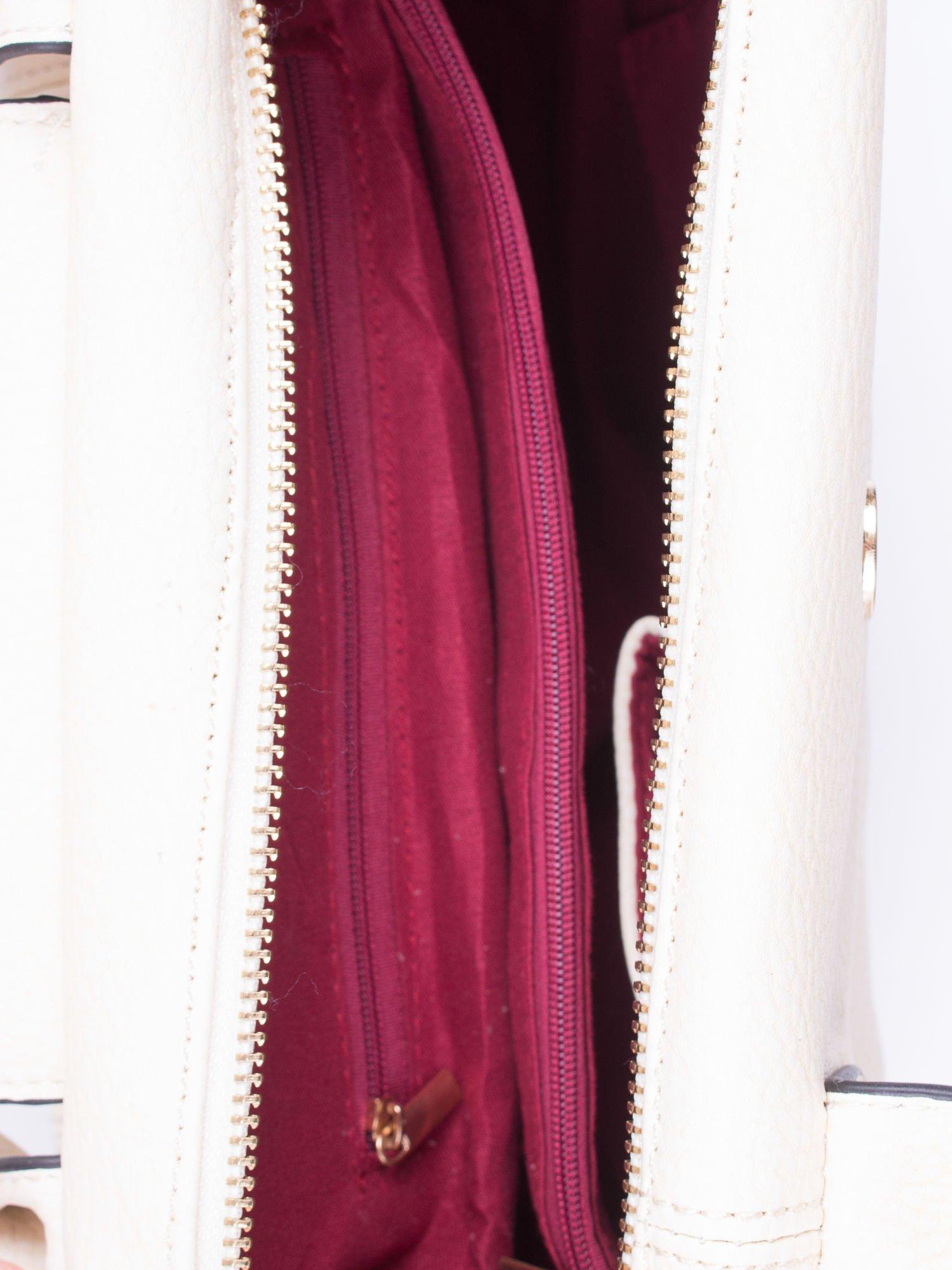 Kremowa torba z klapką i odpinanym paskiem                                  zdj.                                  4