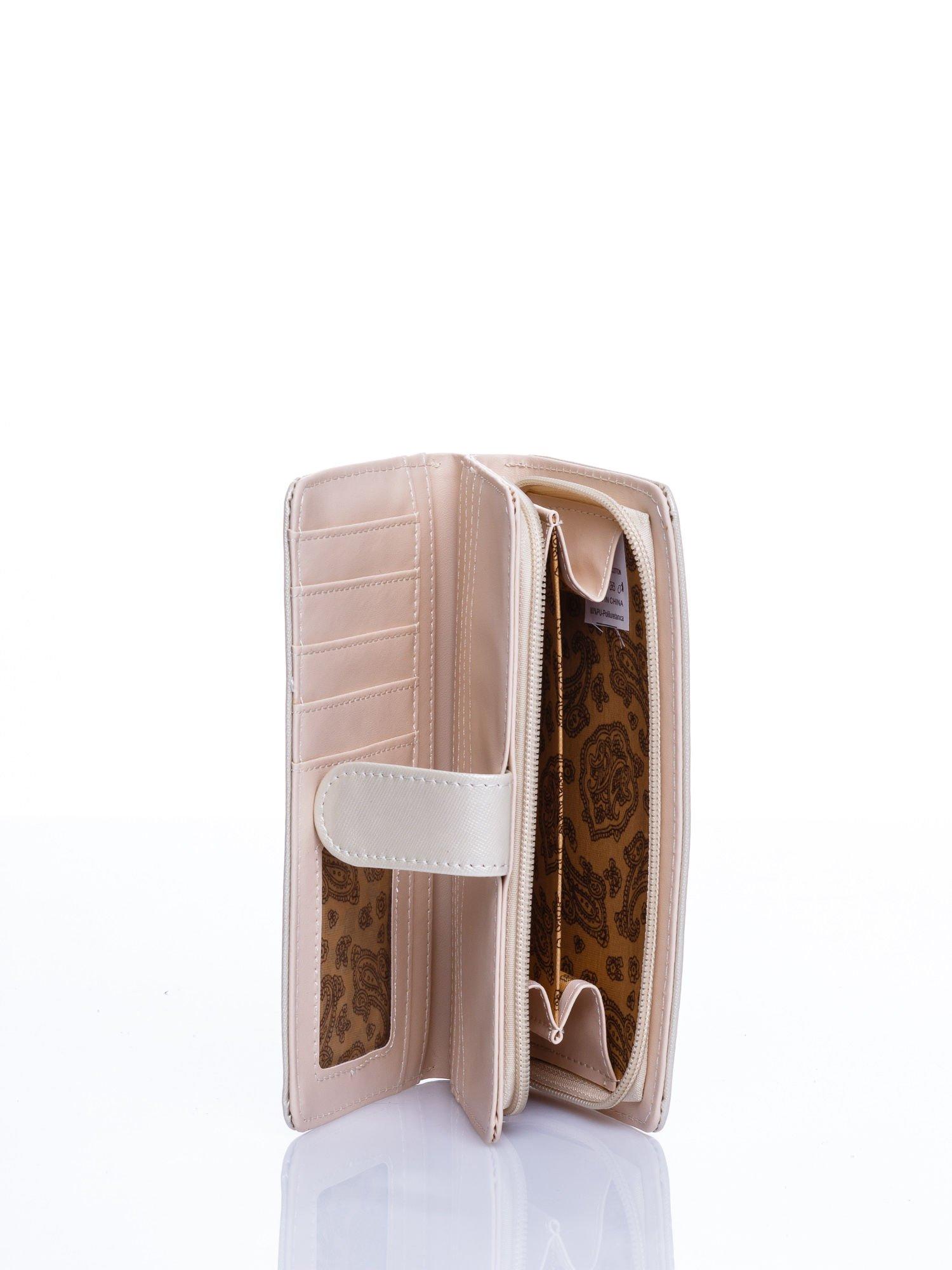Kremowy portfel efekt skóry saffiano                                  zdj.                                  3