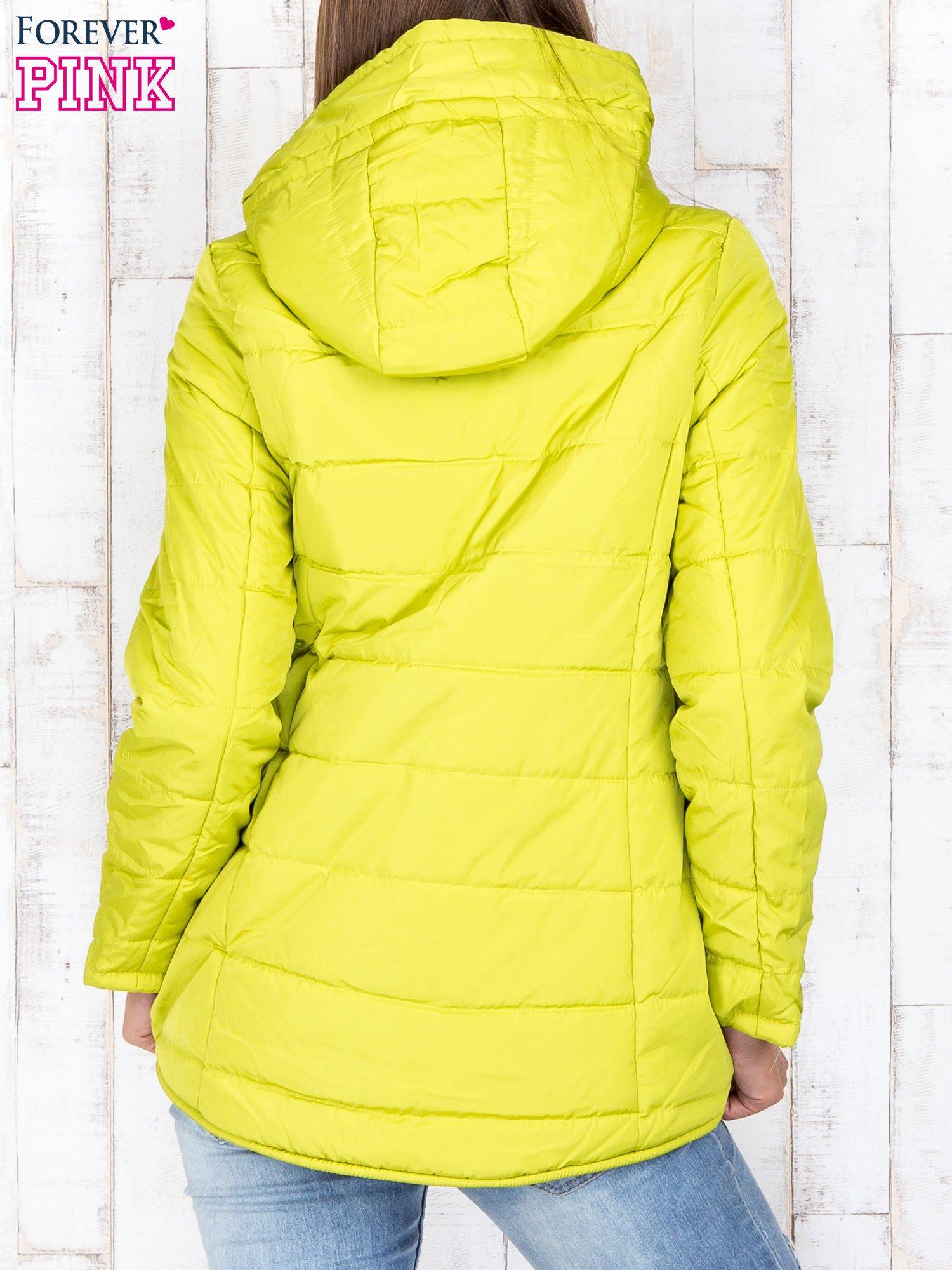 Limonkowa przejściowa kurtka puchowa z dłuższym tyłem                                  zdj.                                  4