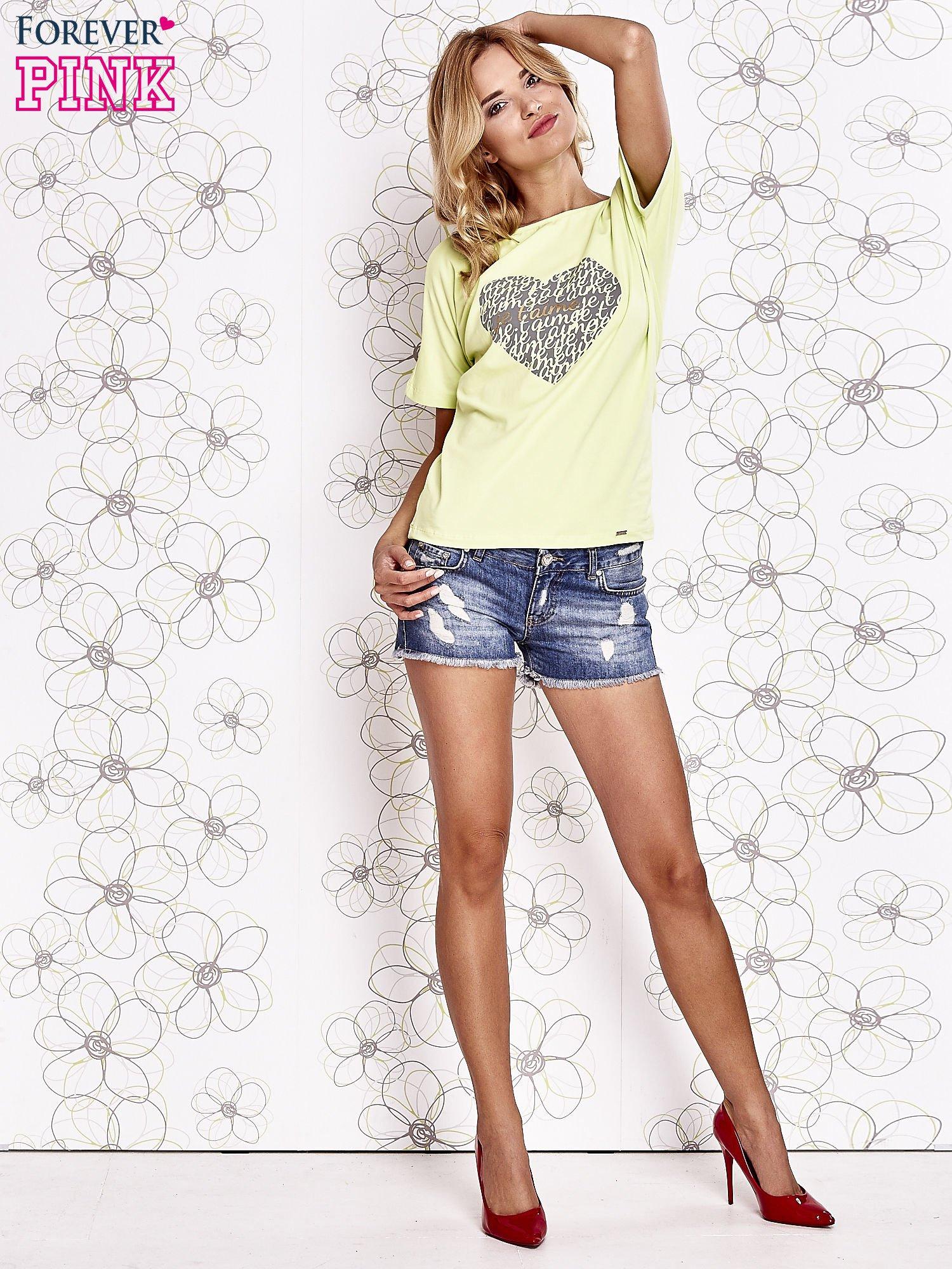 Limonkowy t-shirt z napisem JE T'AIME i dekoltem na plecach                                  zdj.                                  2