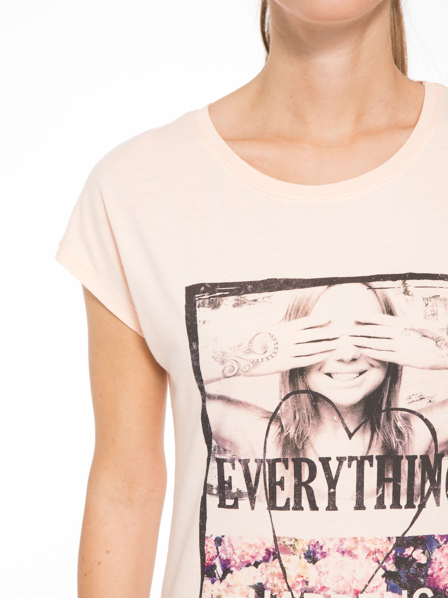 Łososiowy t-shirt z napisem EVERYTHING HAPPENS FOR A REASON                                  zdj.                                  5