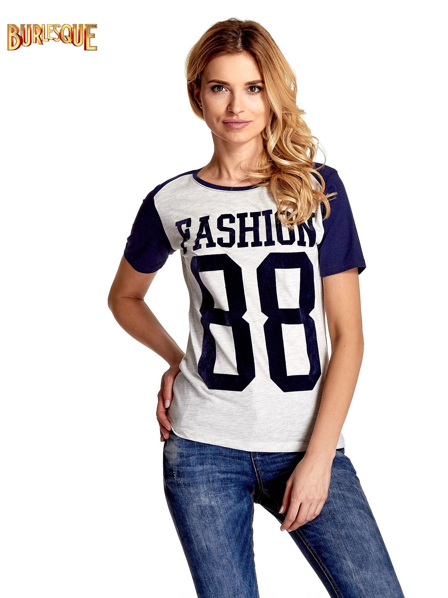 Melanżowo-granatowy t-shirt z nadrukiem FASHION 88                                  zdj.                                  1