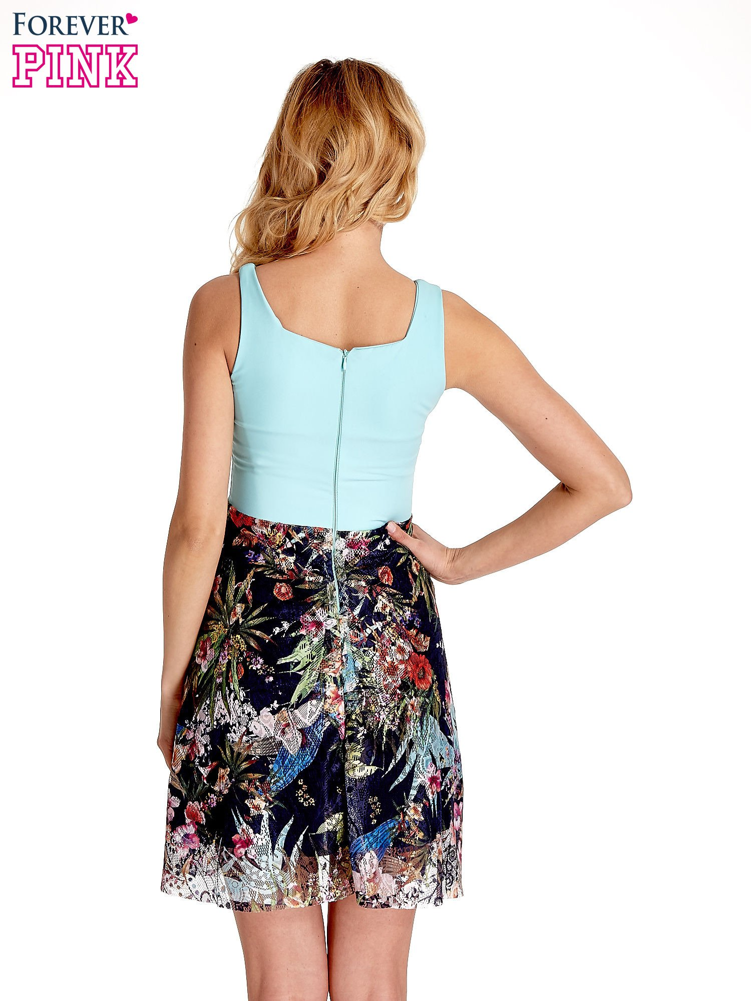 Miętowa sukienka z kwiatowym dołem                                  zdj.                                  6