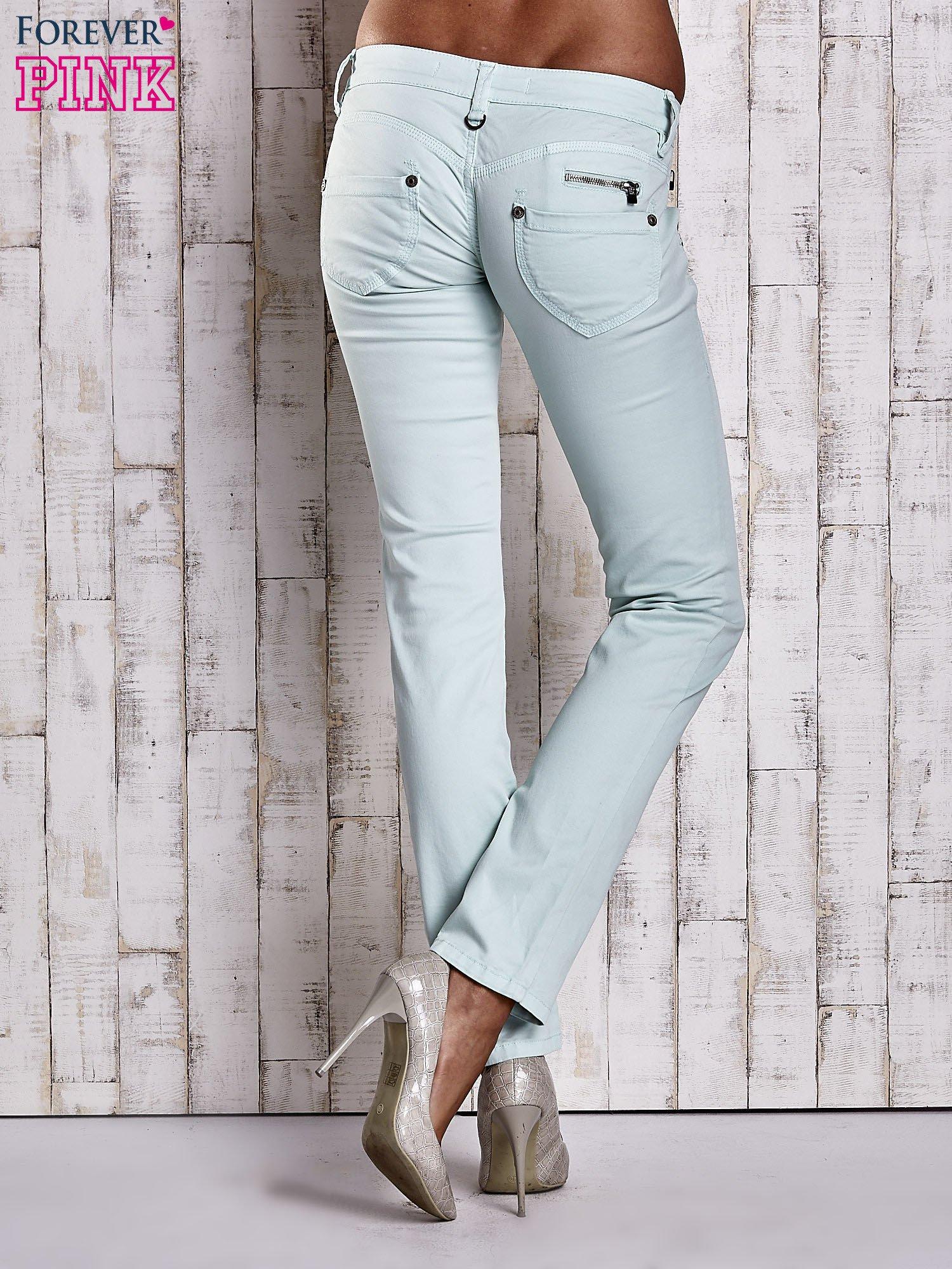 Miętowe spodnie ze stretchem                                  zdj.                                  2