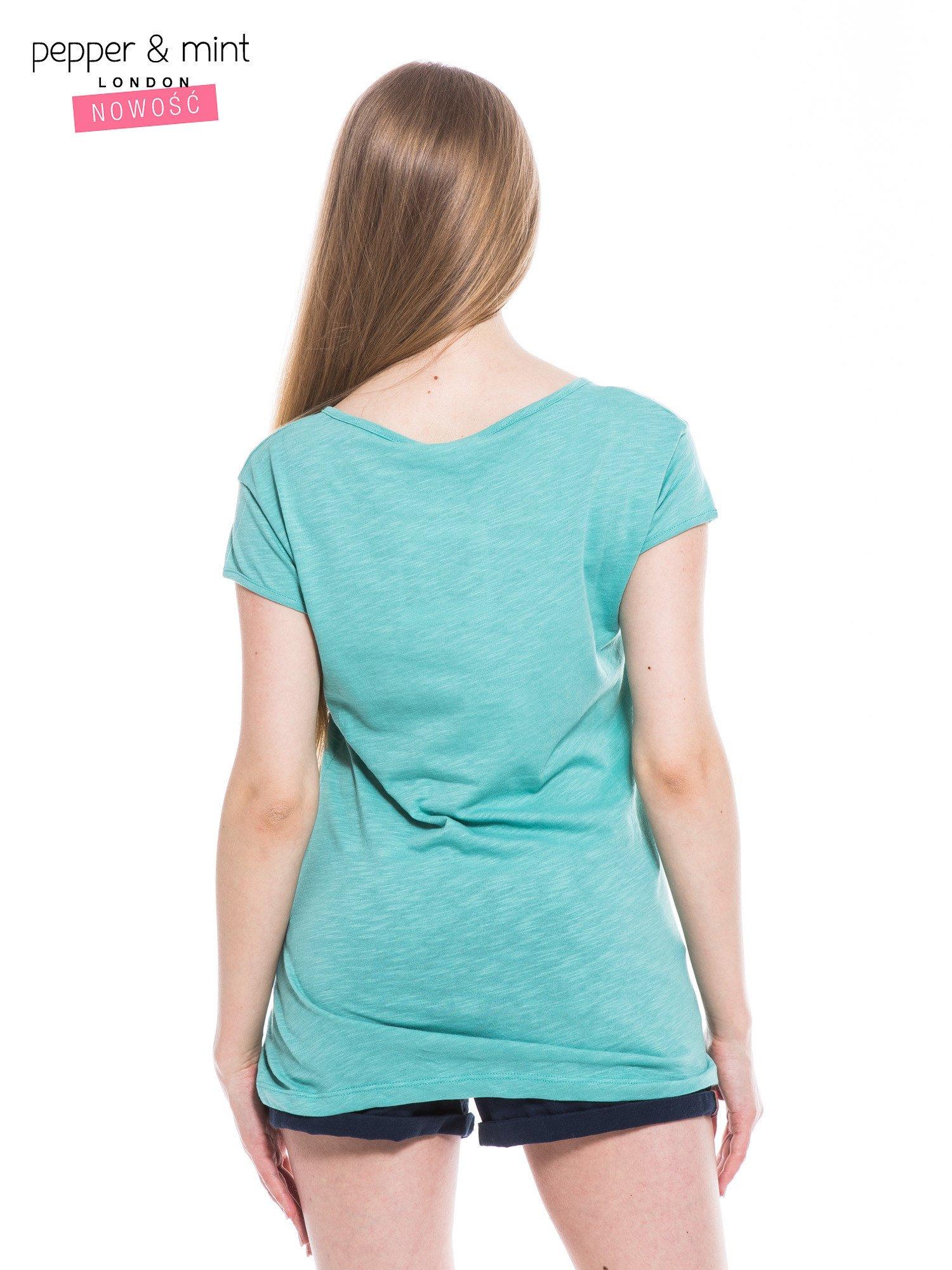 Miętowy t-shirt z nadrukiem LE MARAIS                                  zdj.                                  4
