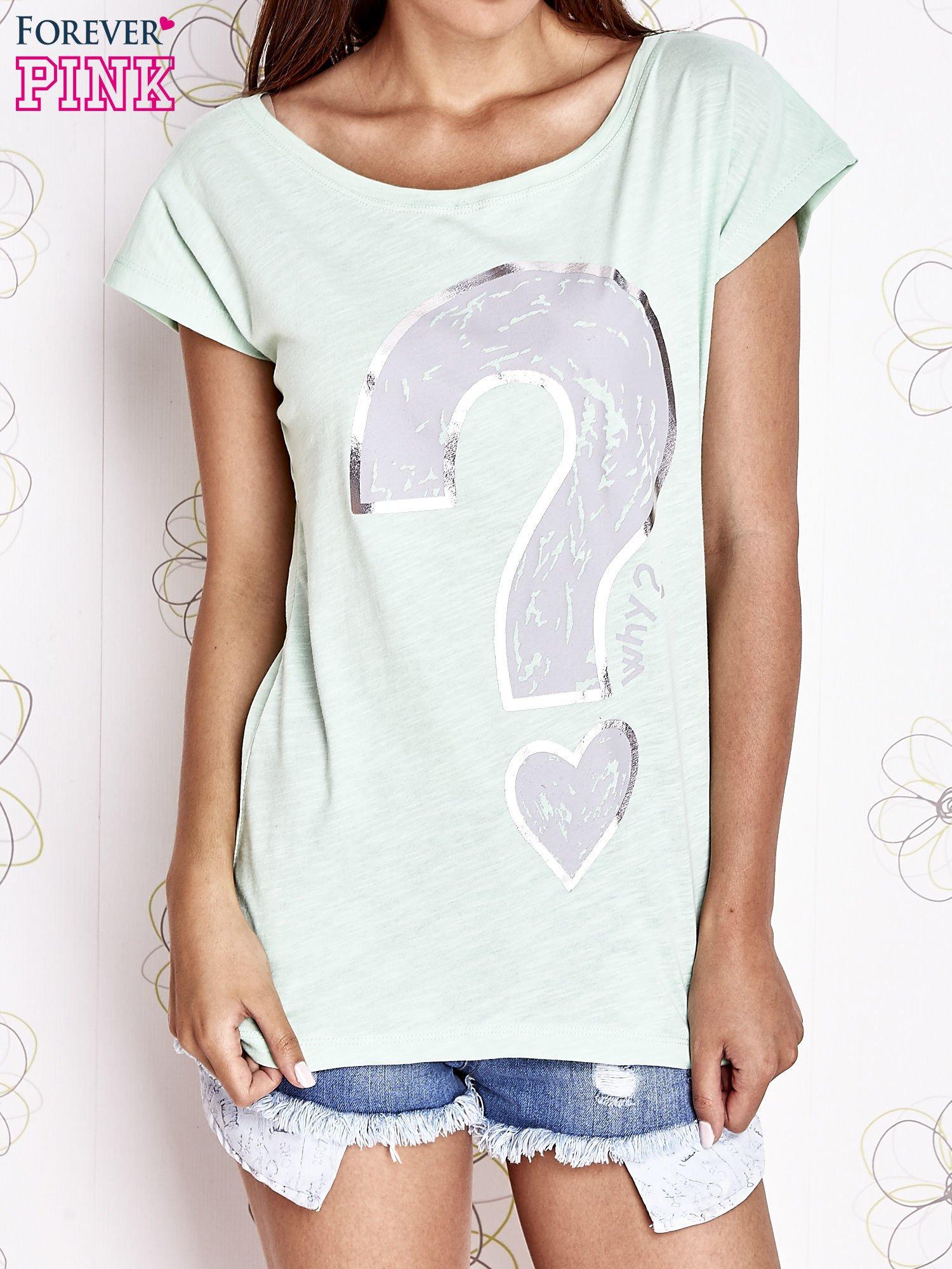 Miętowy t-shirt z nadrukiem znaku zapytania                                  zdj.                                  1