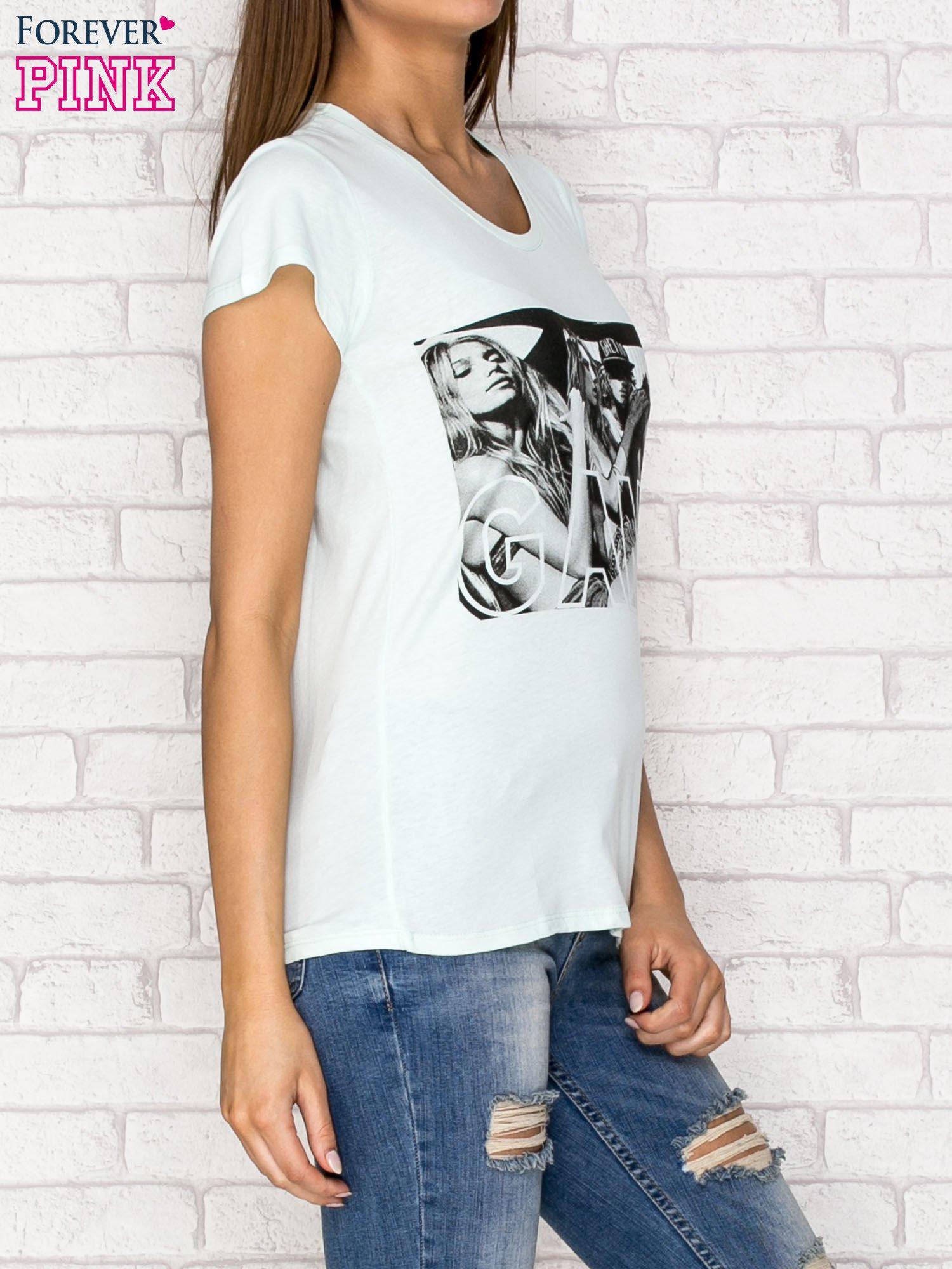 Miętowy t-shirt z napisem GANG                                  zdj.                                  3