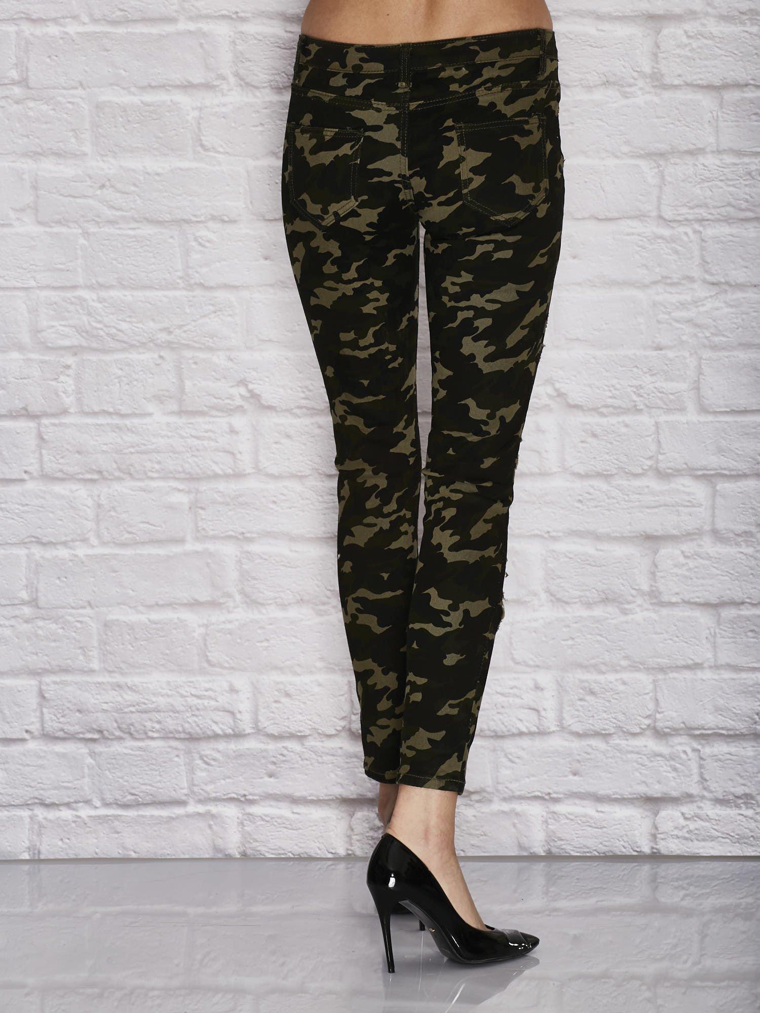 062dc54b885698 Moro spodnie rurki z ćwiekami i dziurami zielone - Spodnie z materiału -  sklep eButik.pl