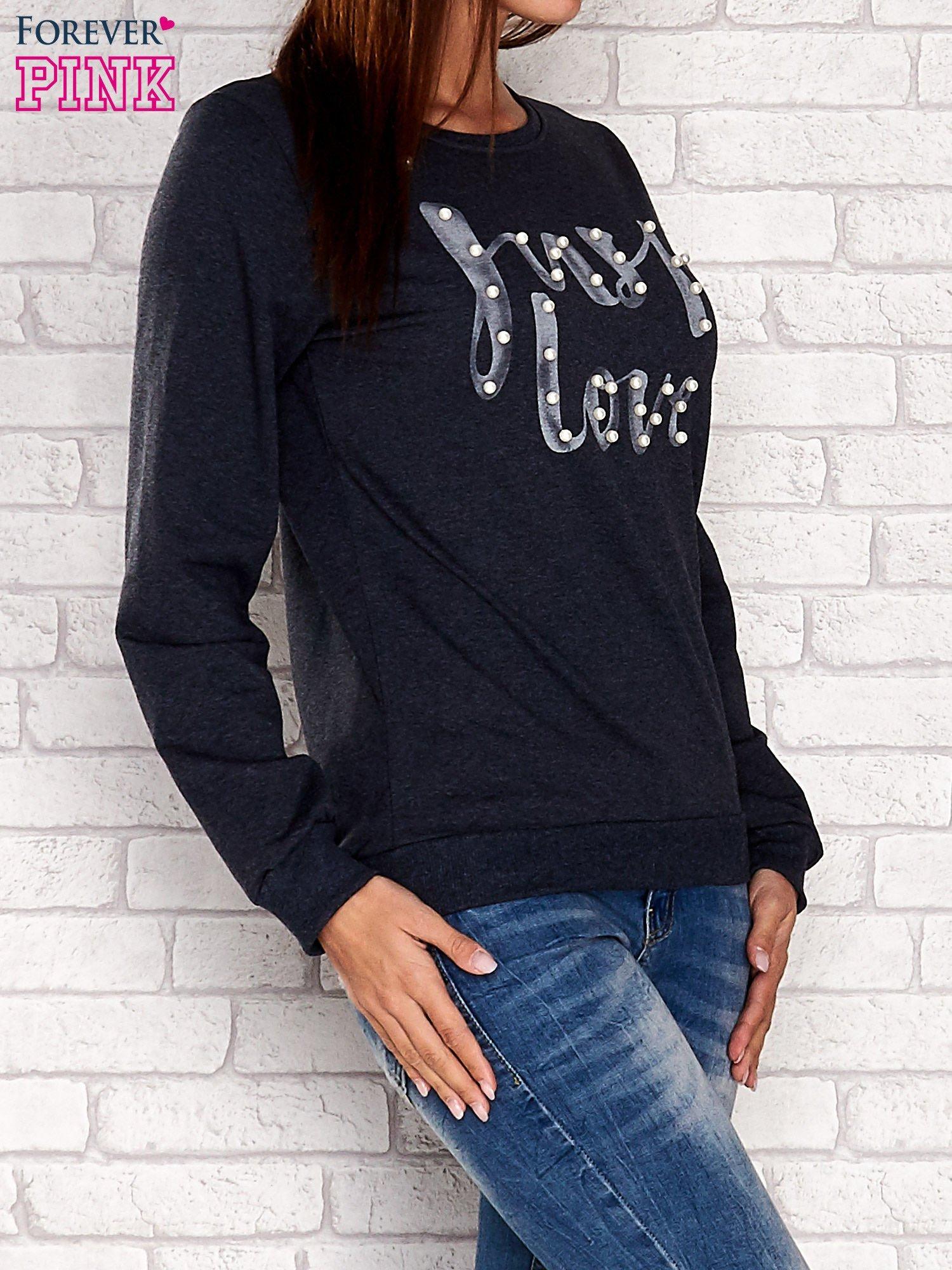 NIebieska bluza z napisem JUST LOVE i perełkami                                  zdj.                                  2