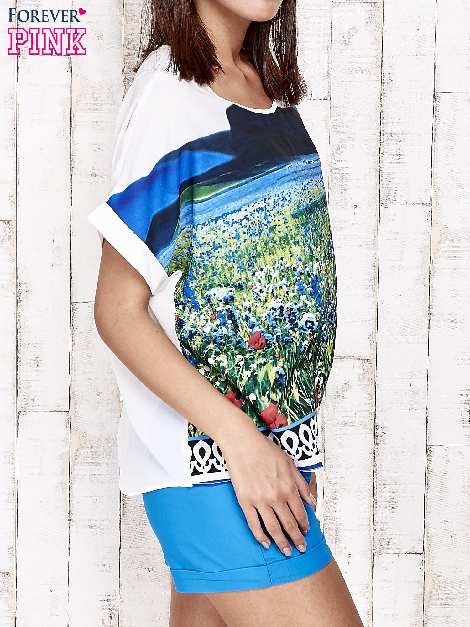 Niebieska bluzka koszulowa z nadrukiem łąki                                   zdj.                                  3