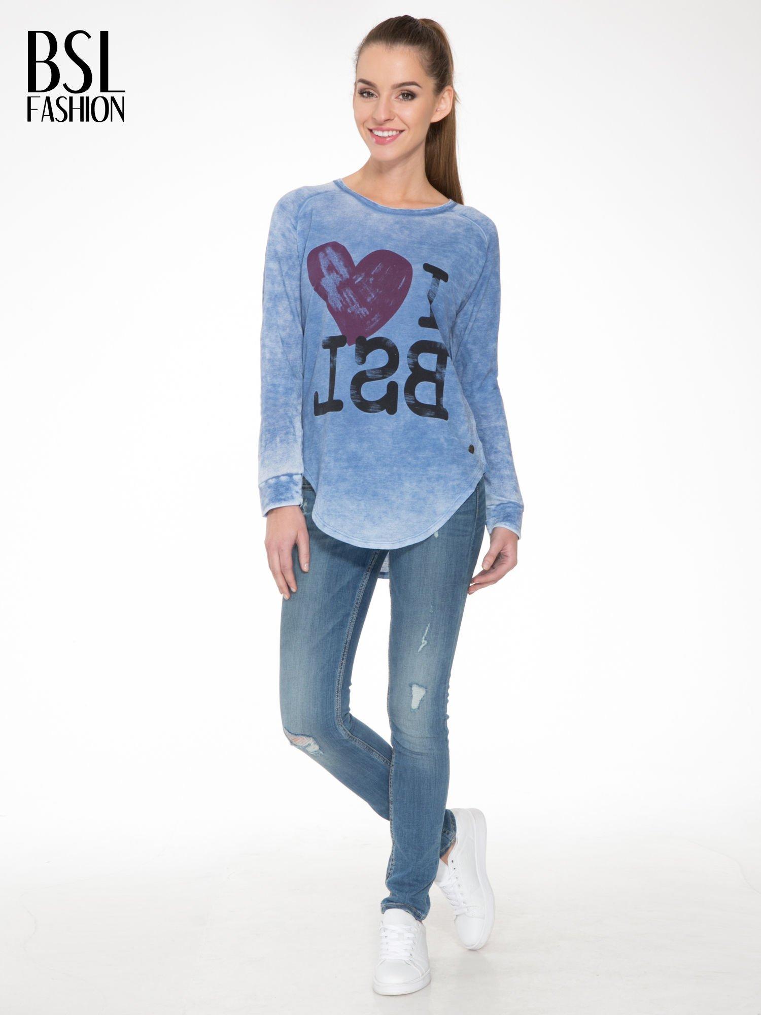 Niebieska bluzka z nadrukiem I LOVE BSL i efektem sprania                                  zdj.                                  2