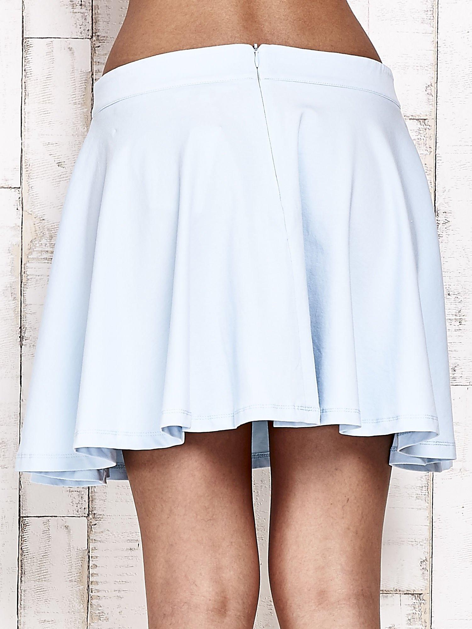 Niebieska dresowa spódnica szyta z koła                                  zdj.                                  6